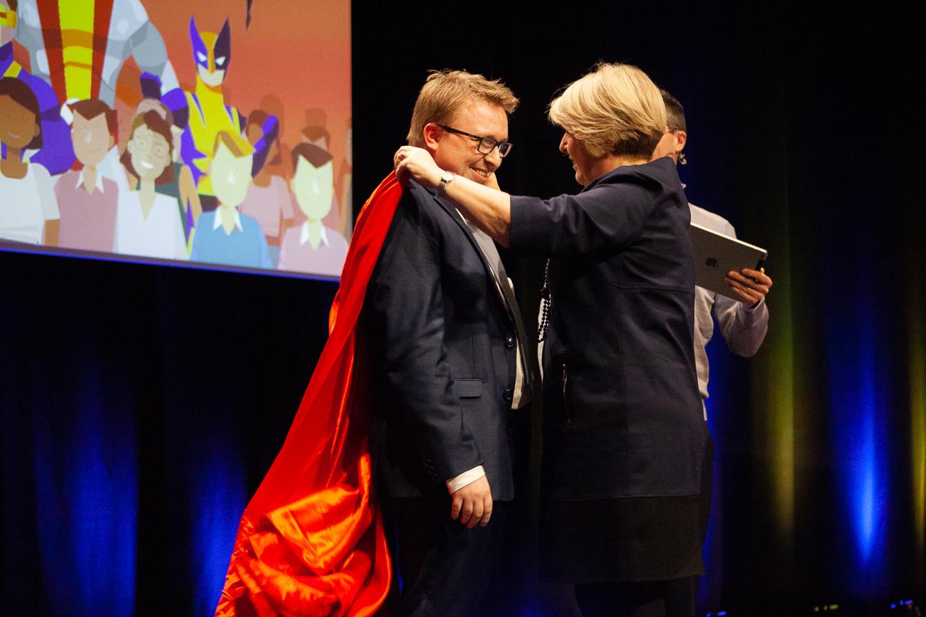 salarié sacré héro de l'année - photoreportage pour gan patrimoine, convention nationale 2018 au grand palais de lille.jpg