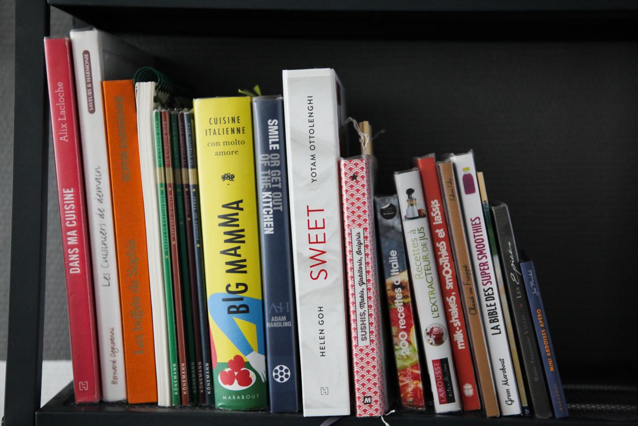 collection de livres de cuisine moderne- photo couleur fineart projet photo choses à soi de rêvelise rohart - série lise rêvée.jpg