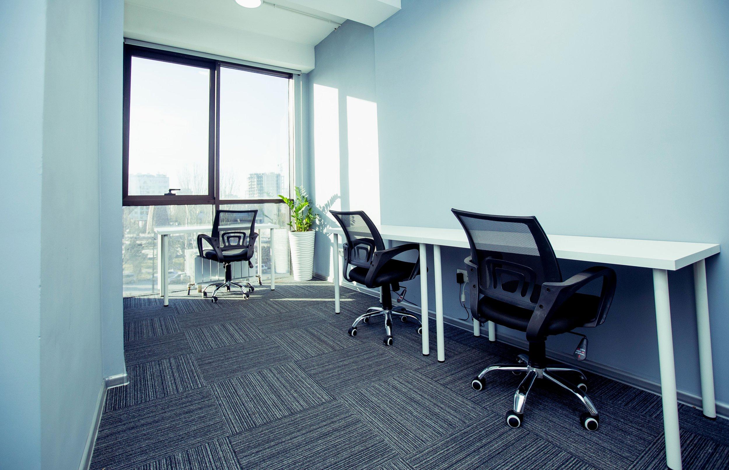 Отдельные офисы - Резиденты ololohaus — от фрилансеров и стартаперов до инновационных компаний — очень ценят вдохновение и коллаборацию, и наши офисные пространства созданы с учетом этого. Развивайте бизнес и претворяйте в жизнь свои амбициозные проекты в нашем офисе.