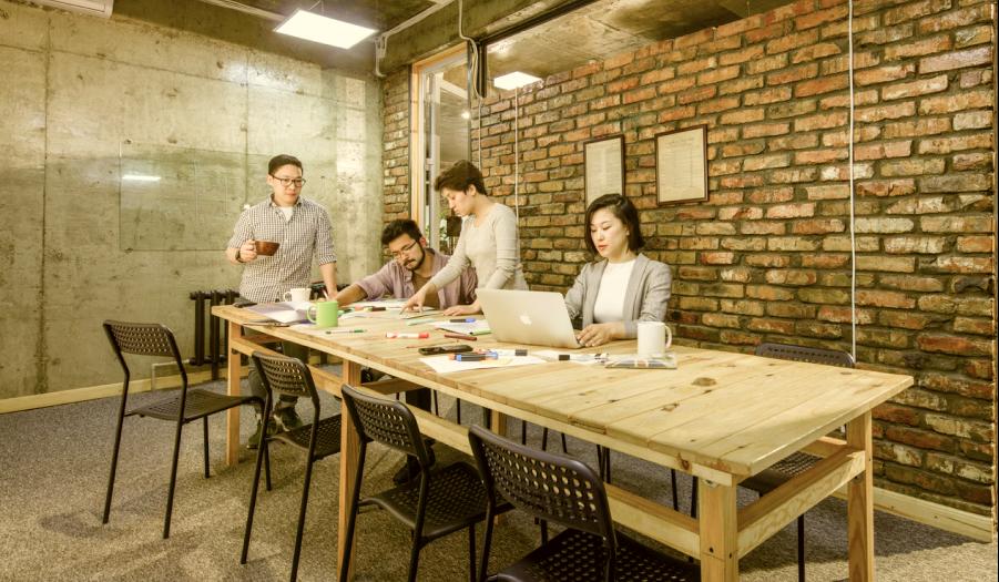 ololohaus коворкинг - ololohaus — сеть коворкинг-пространств, цель которой — консолидация активных, ярких, деятельных профессионалов и создание для них благоприятной атмосферы для работы и творчества.Узнать больше