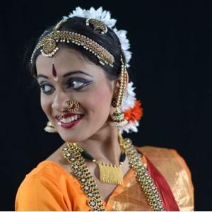 ROOSHA MANDAL - Instructor - Bharatanatyam & Navanritya