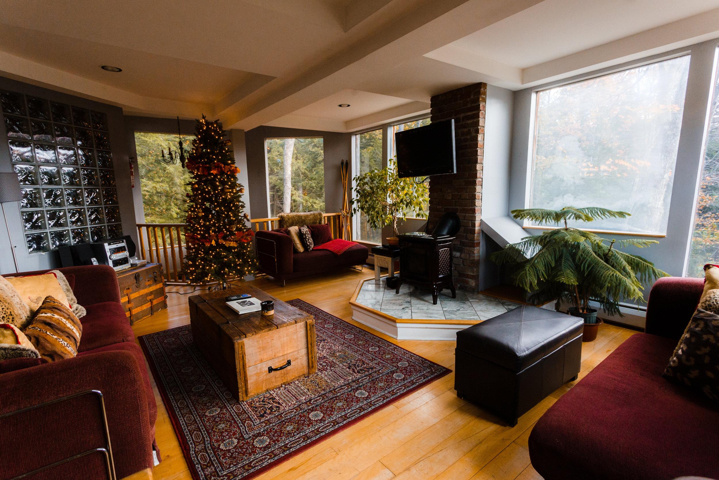 Tree House Living Room Horizontal_.jpg
