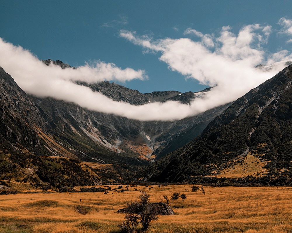 the long white cloud , new zealand