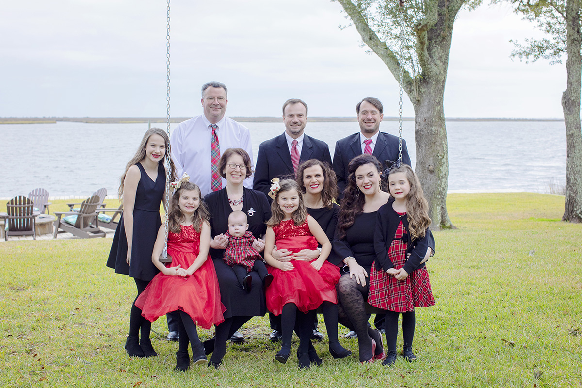 large-family-photograph-christmas.jpg