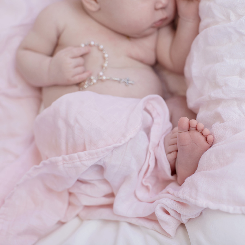 ocean-springs-newborn-photographer-rosary.jpg
