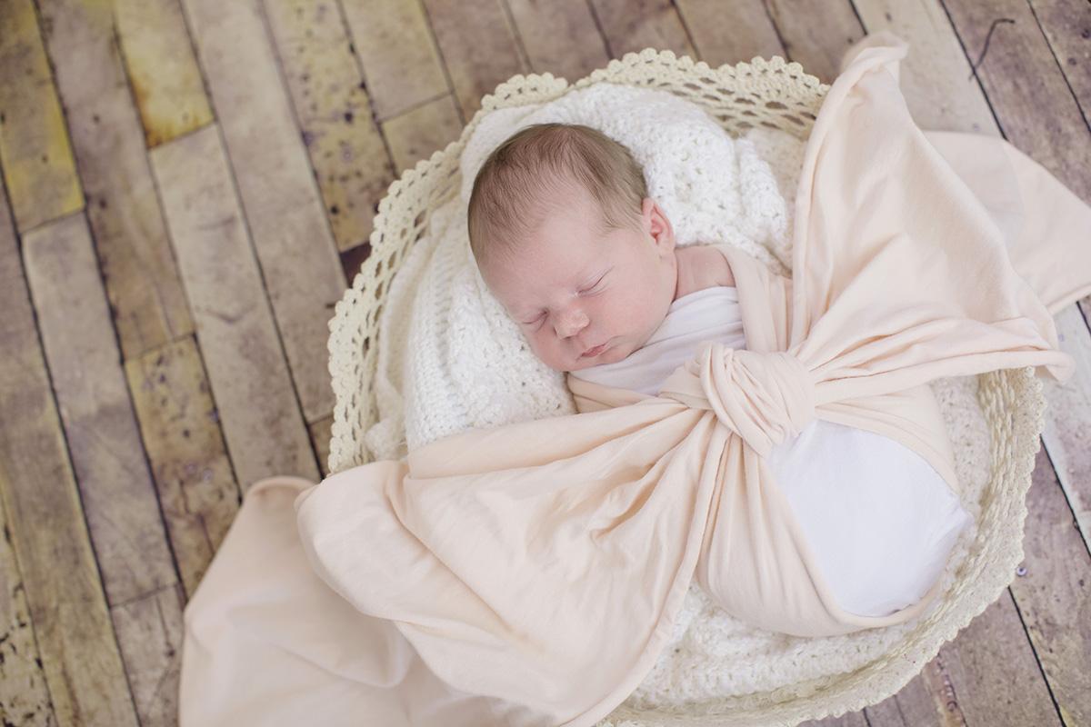 ocean-springs-newborn-photographer-wrap-basket.jpg