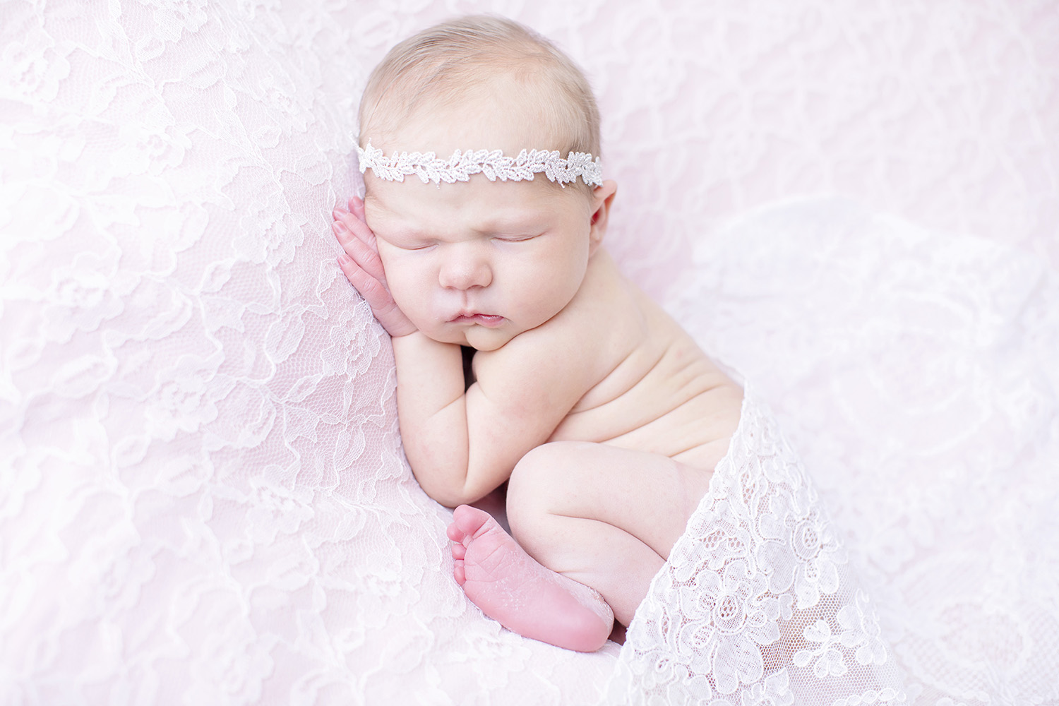 best-newborn-photographer-in-mississippi.jpg