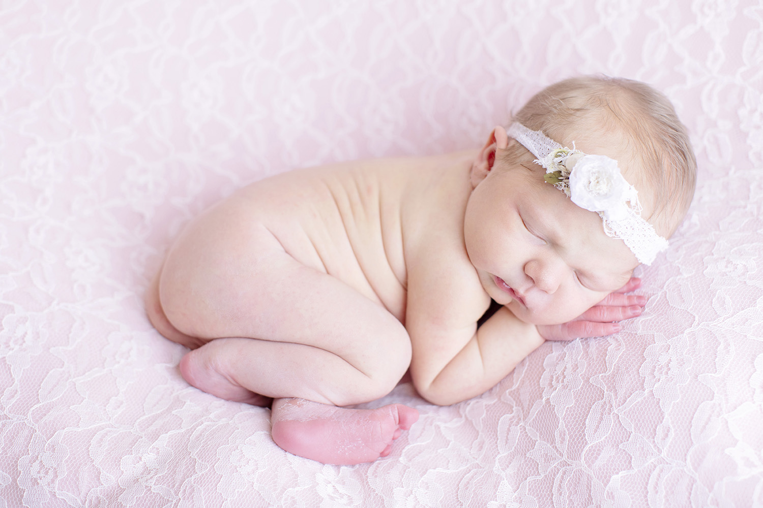 swetman-photography-newborn-photographer-ocean-springs-mississippi-lace.jpg