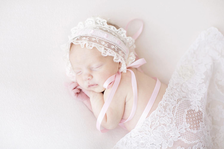 NewbornPhotographerPascagoulaMississippi.jpg