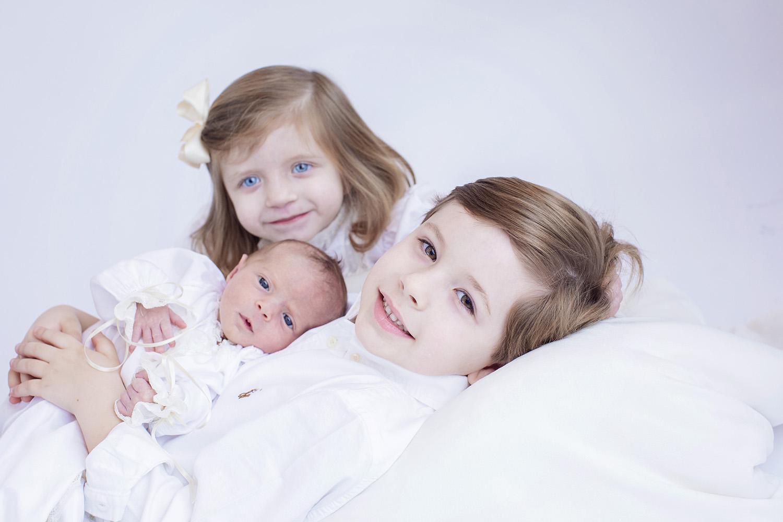 SiblingNewbornPhotoBrotherSister.jpg