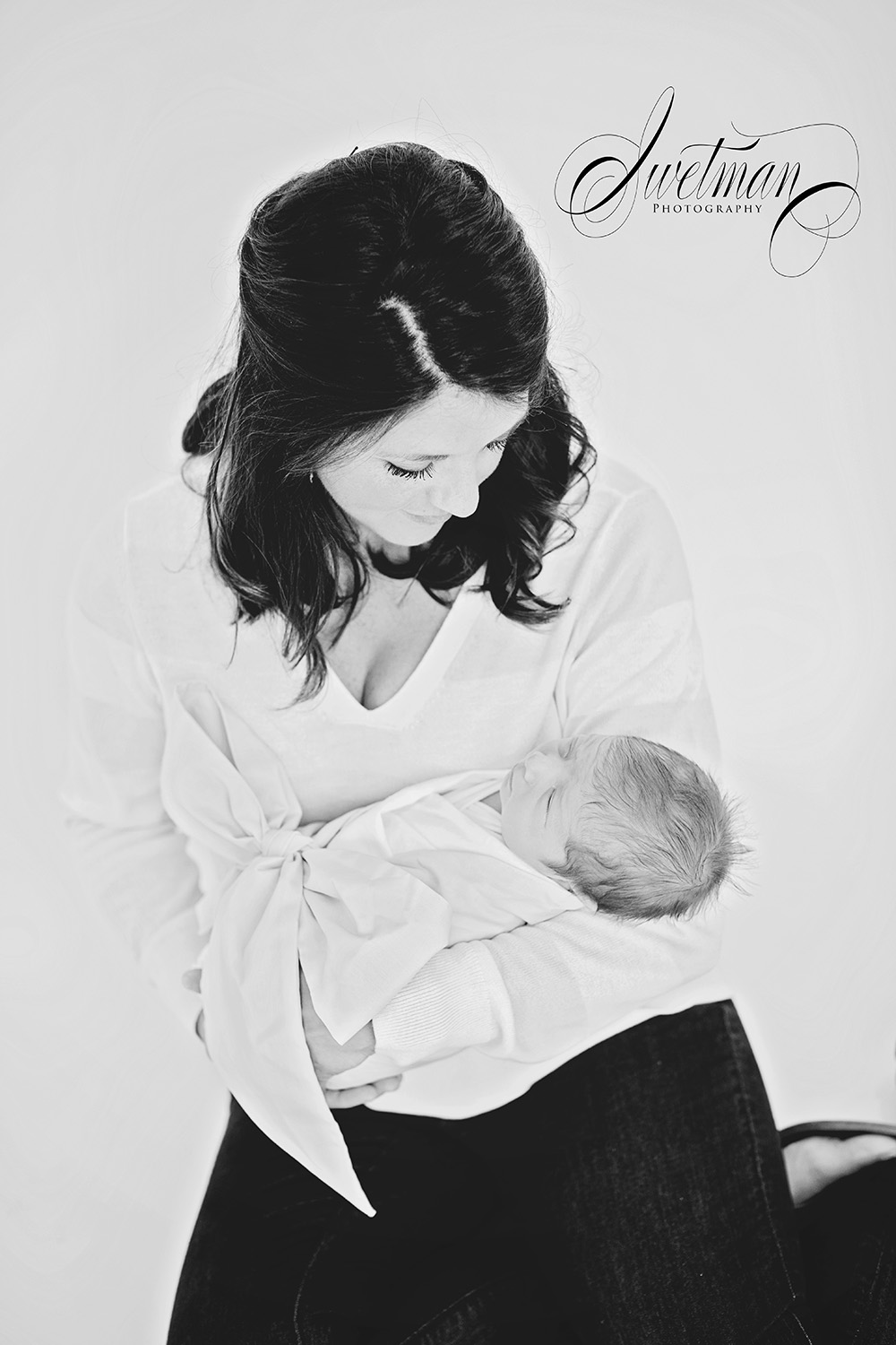 Mother-Newborn-Photography-Baby-Black-White.jpg