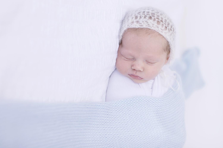 Pascagoula-Mississippi-Newborn-Photography-Baby-Boy-Bonnet.jpg
