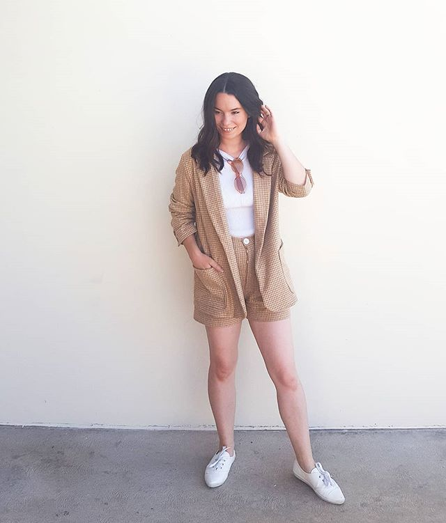You all know I'm the biggest fan of matching sets and shorts suits are right up there with my favorites. I know these pieces are part of my summer collection but I'm thinking I'll wear this a lot in the Fall down here in LA. What do you guys think of matching clothing sets? • • • #curratedcloset #minimalistfashion #wearhandmade #independantclothingdesigner #slowfashionstyle #fashionrev #buylessbuybetter #domorewithless #slowfashion #memadeeveryday #sewcialist #handmadeclothes #diyfashion #homesewing #imademyclothes #indiesewing #makersgonnamake #sewersofinstagram #sewingisselfcare #sewyourstash #haulternative #persephoneshorts #persephonepants #S8697