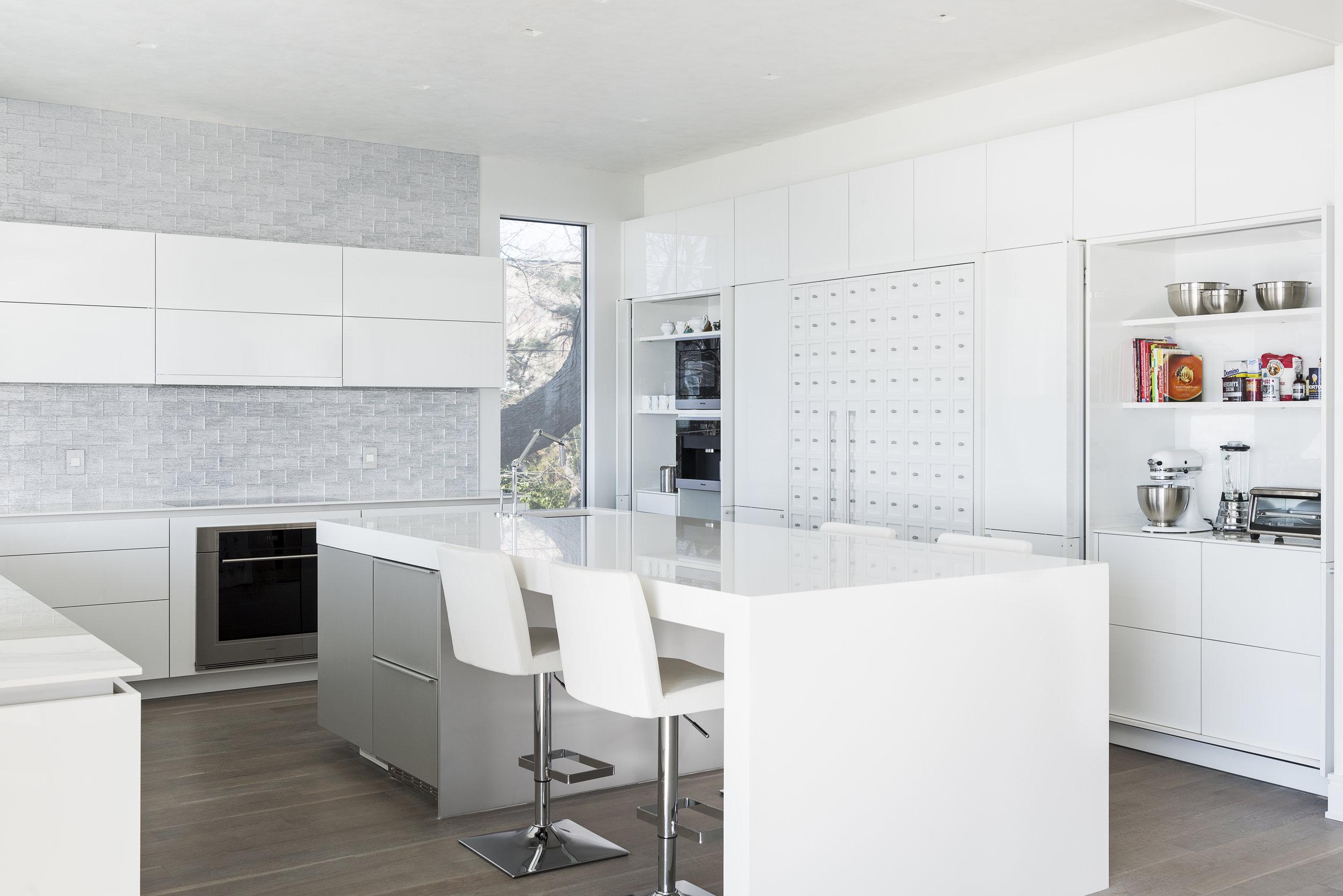 Serene Modern Kitchen in Rowayton