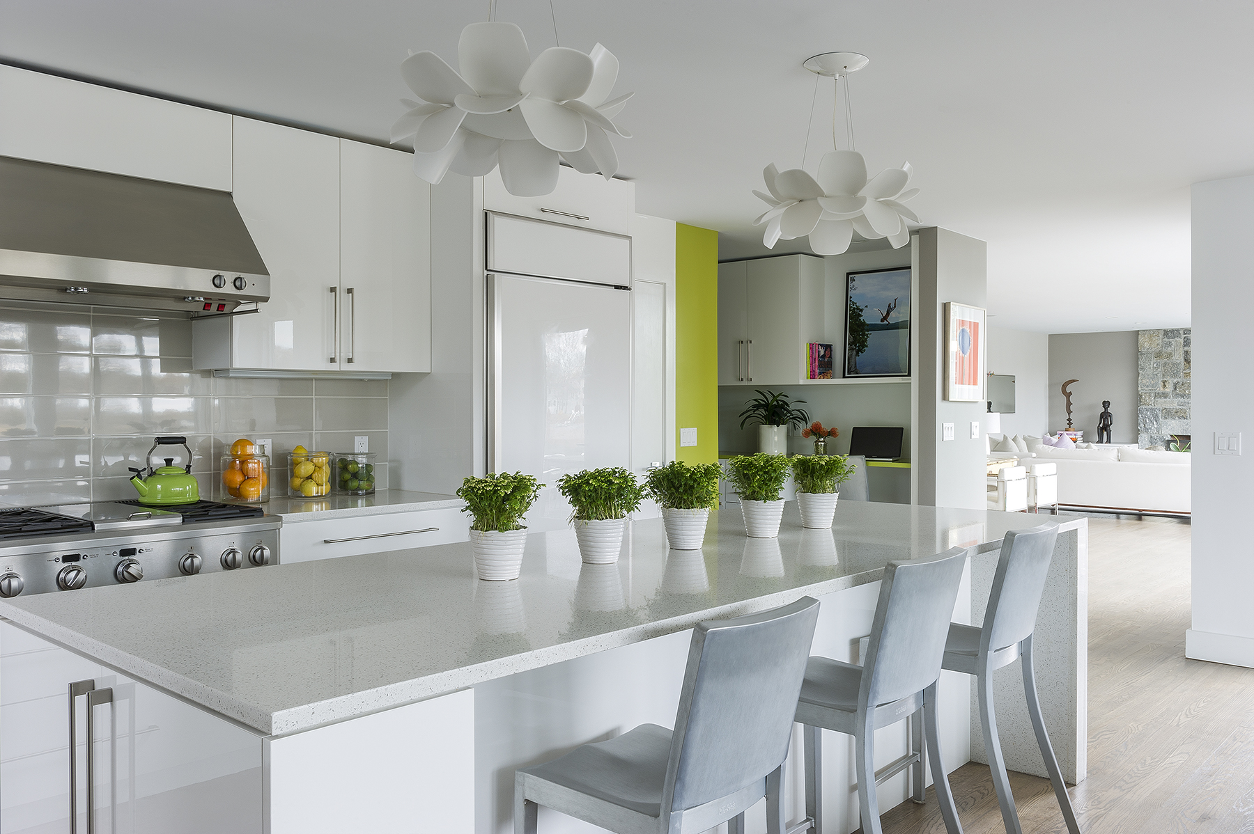 Modern Kitchen with Glass Tile