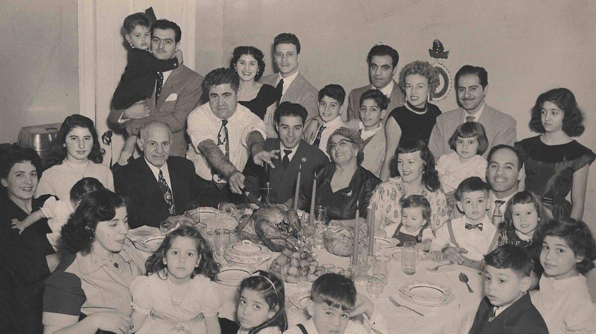 Family%252BThanksgiving%252BPhoto.jpg
