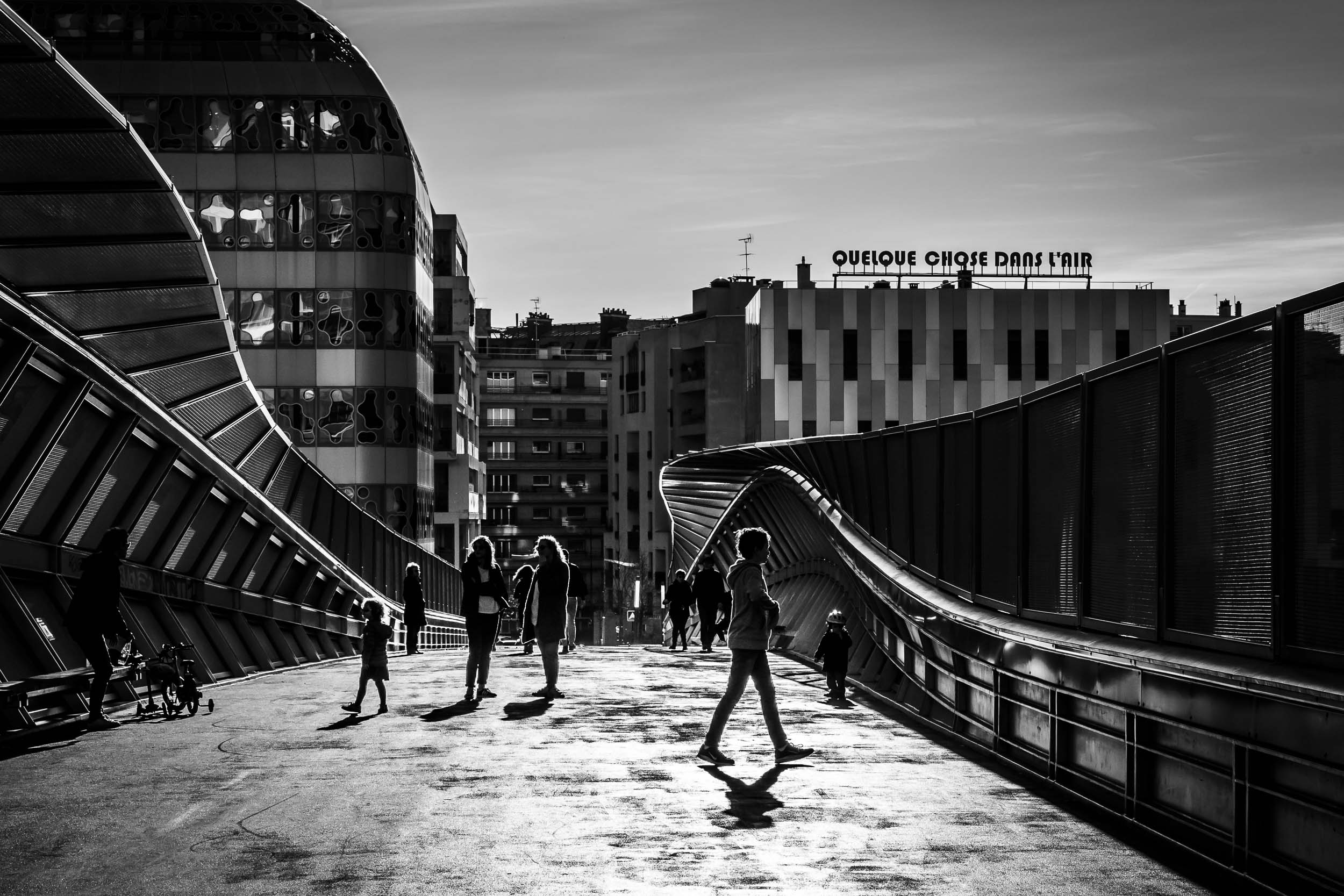 Paris-people-on-bridge-architecture.jpg