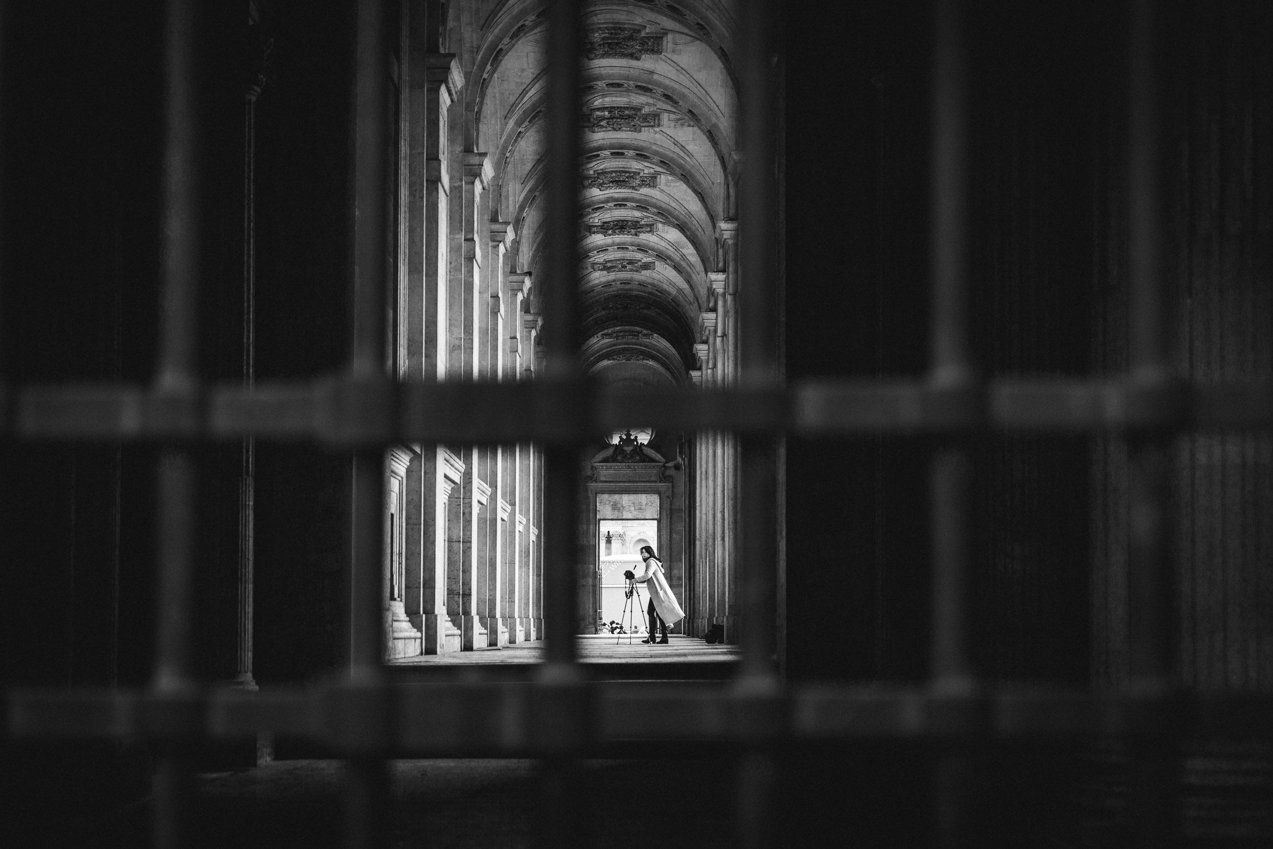 Paris-Louvre-Photographing-Photographer.jpg