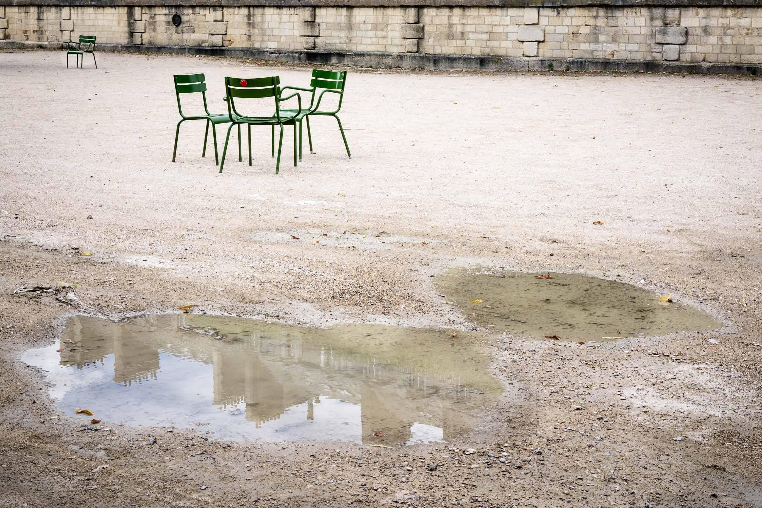 Paris-Tuileries-group-of-park-chairs.jpg