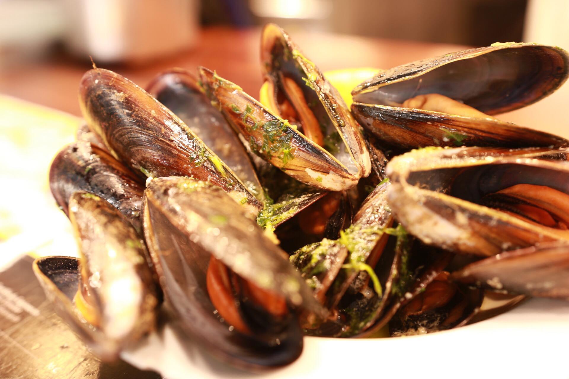 boqueria mussels.jpg