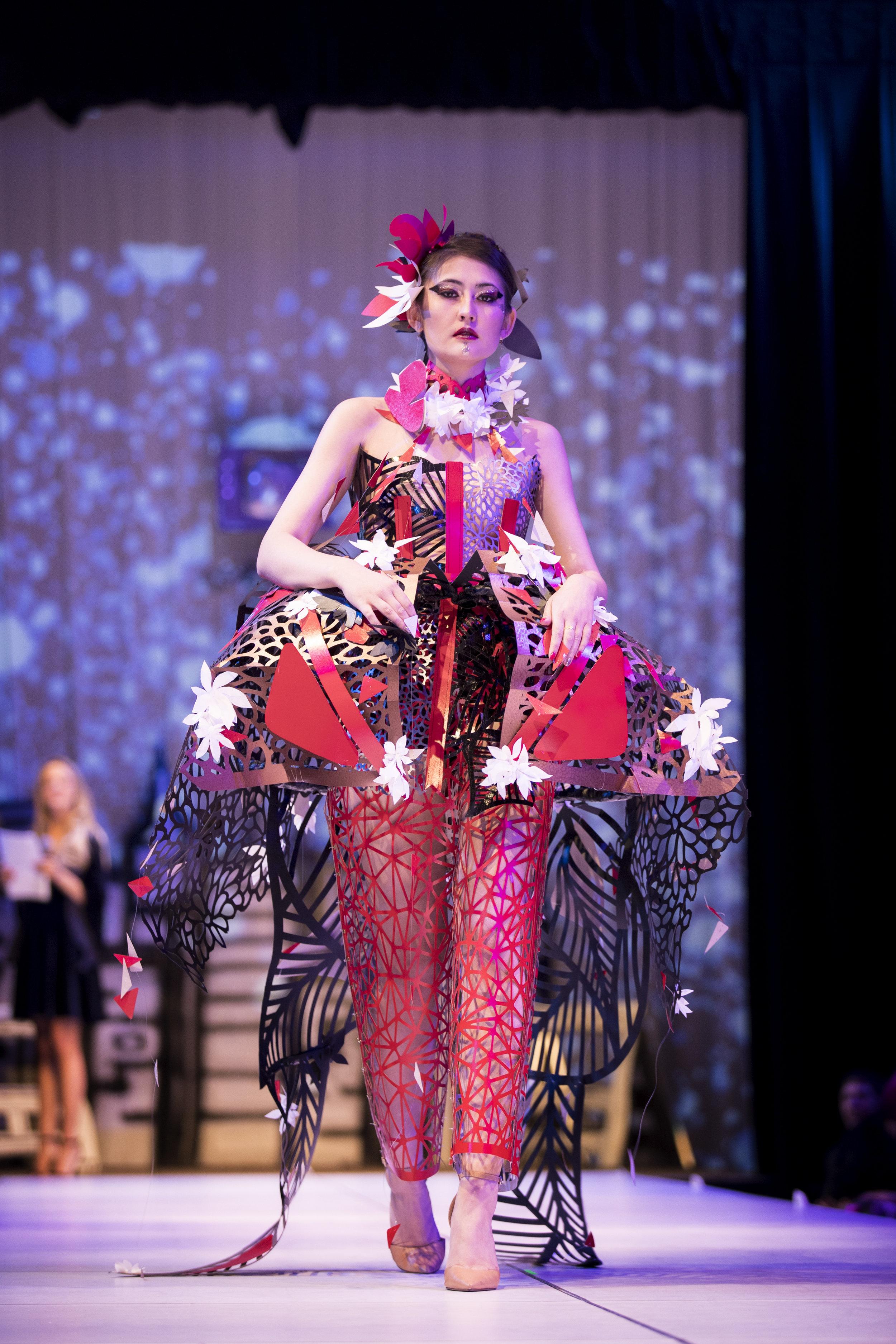 2018 Paper Fashion Show - 086.jpg