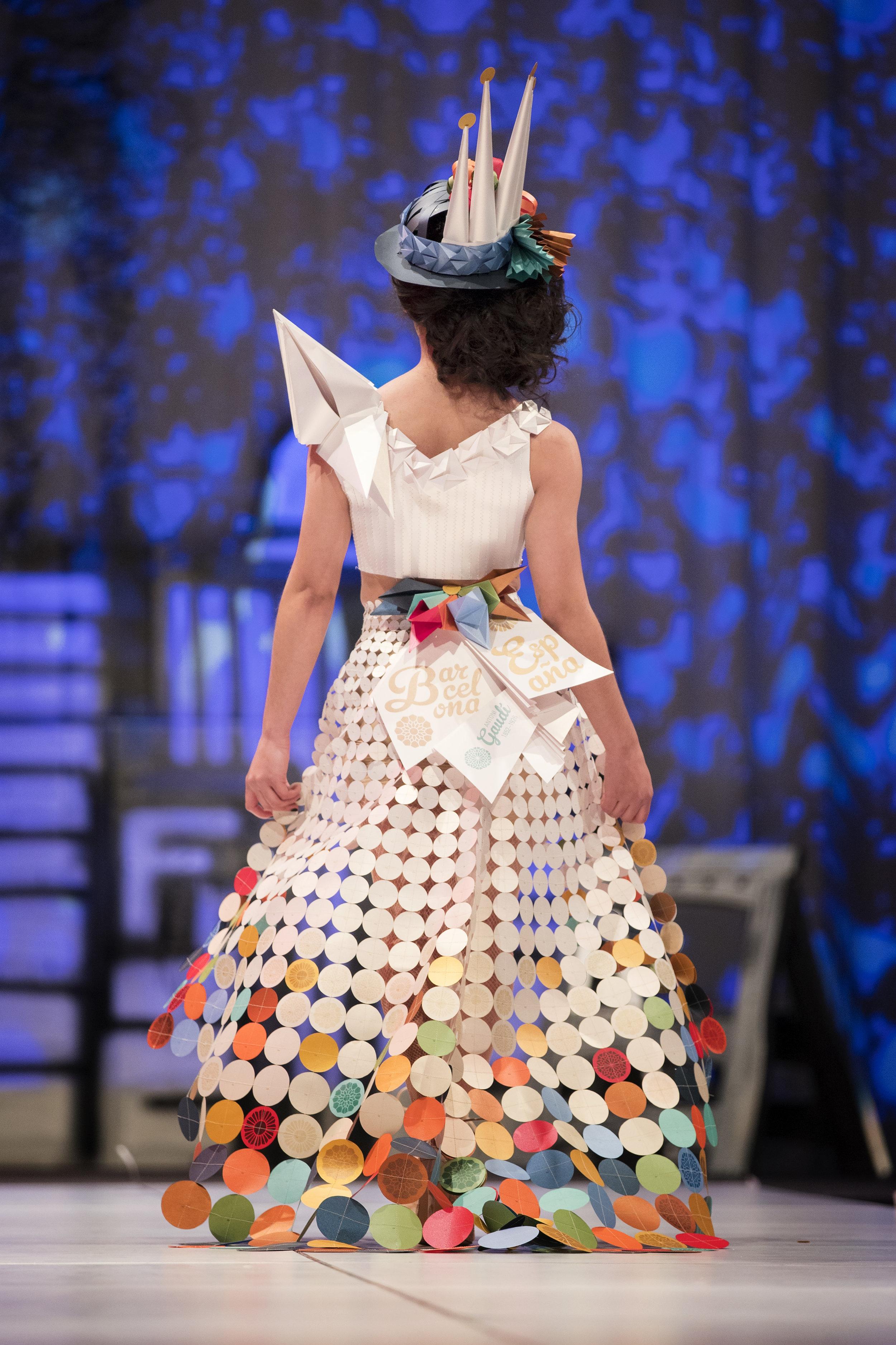 2018 Paper Fashion Show - 122.jpg