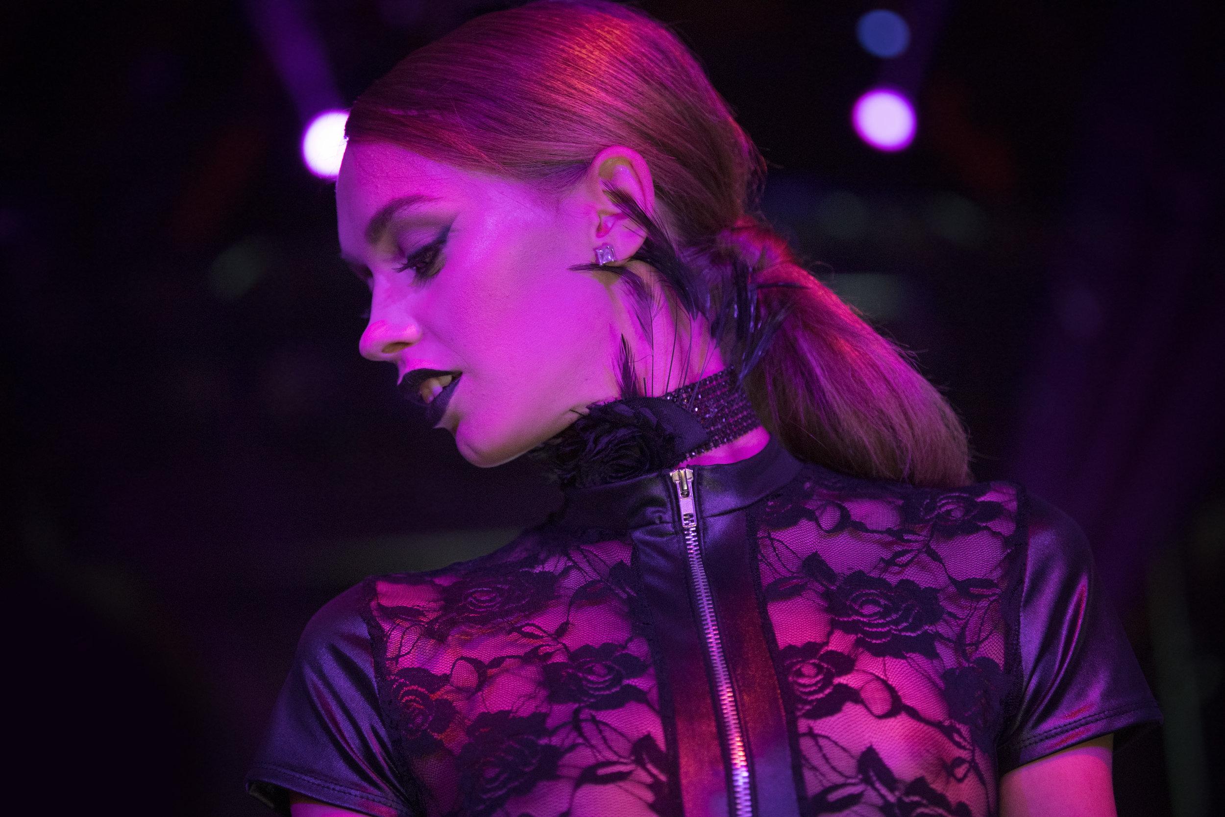 RAW SAVOR - Femme Fatele - 004.jpg