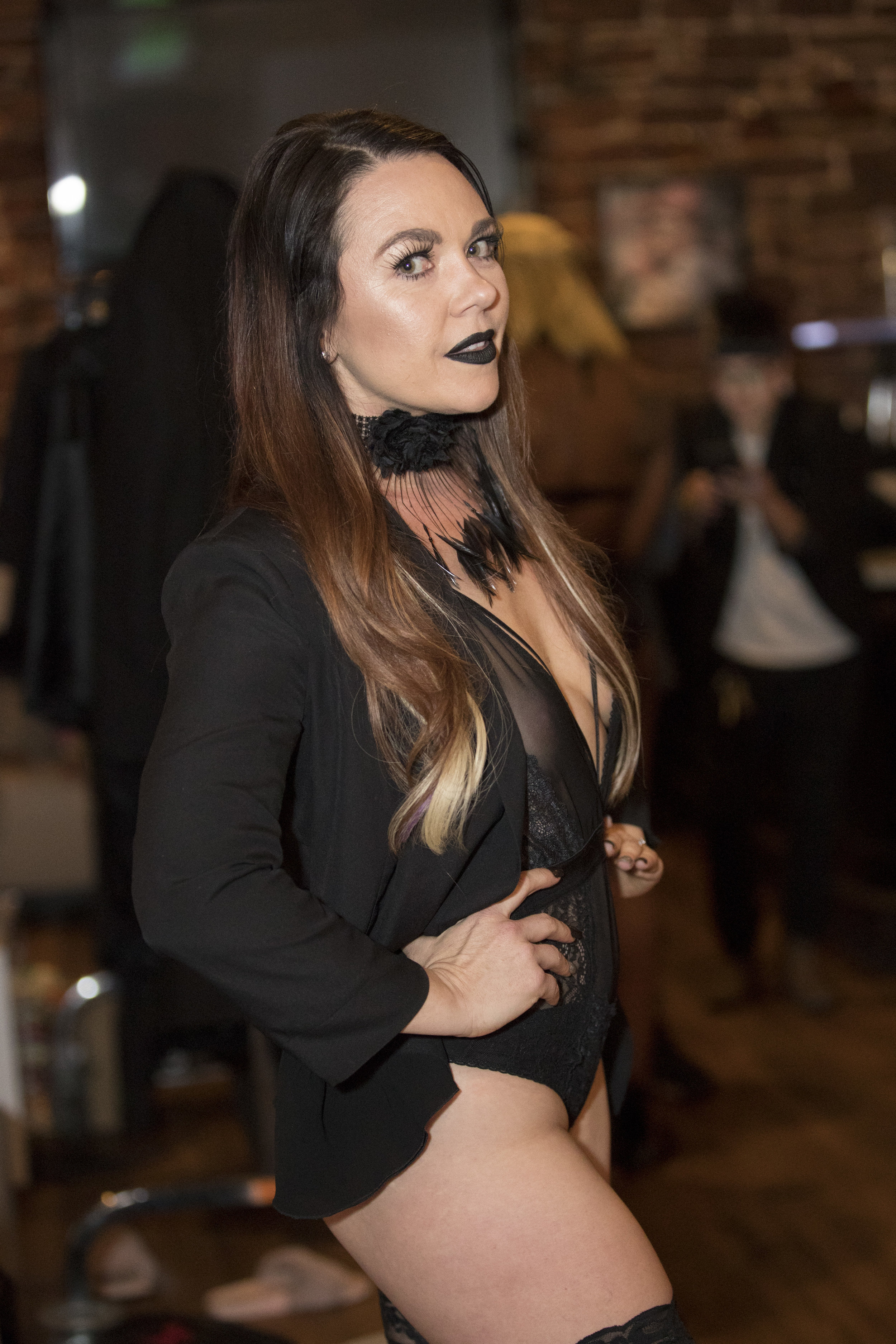 RAW SAVOR - Femme Fatele Backstage - 009.jpg