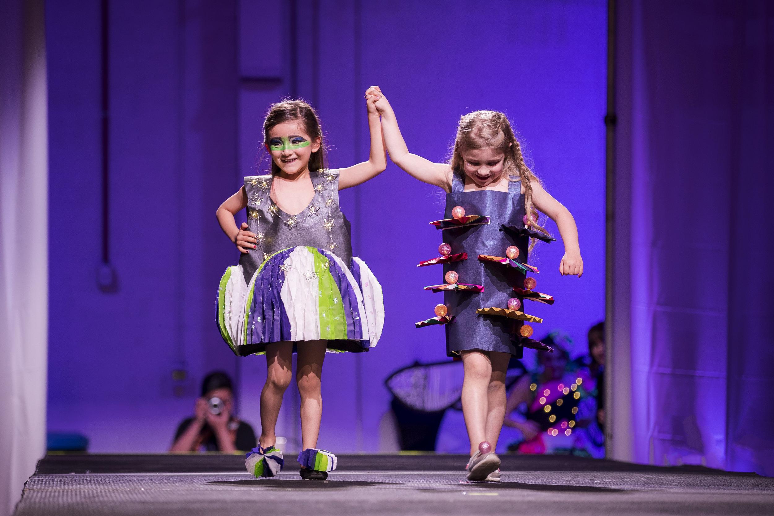 Paper Fashion Show 2019 - 005.jpg