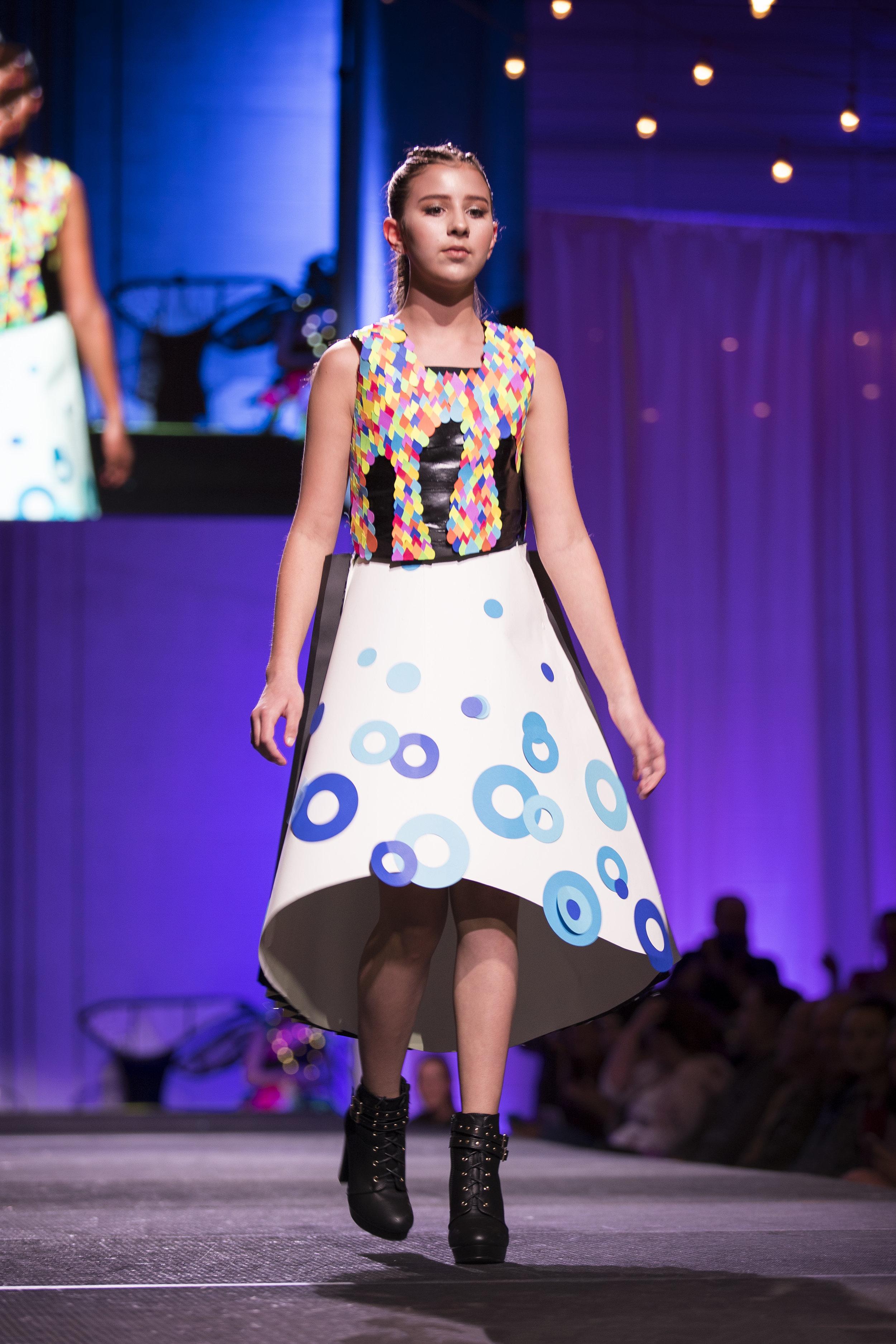 Paper Fashion Show 2019 - 008.jpg