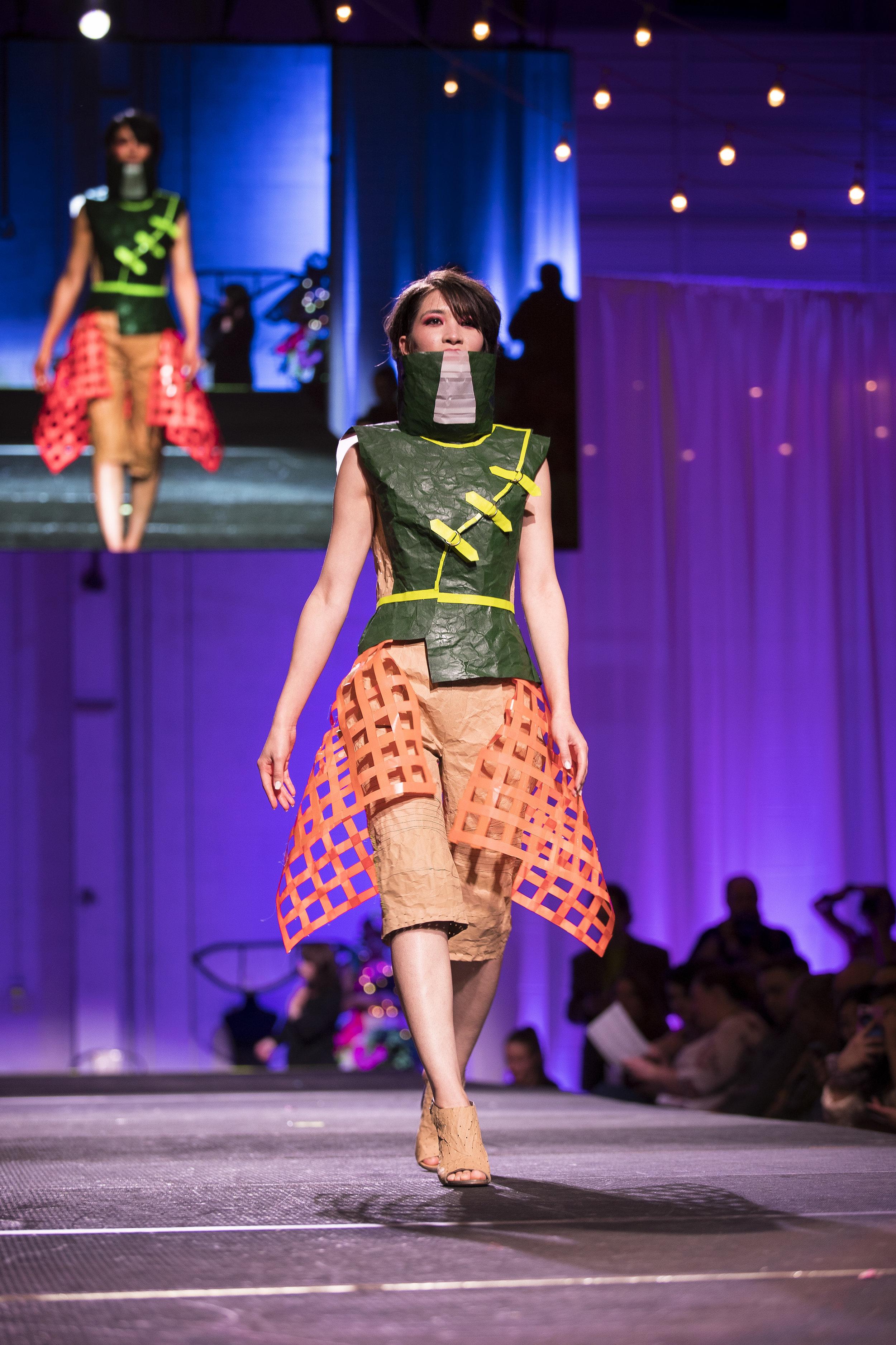 Paper Fashion Show 2019 - 016.jpg