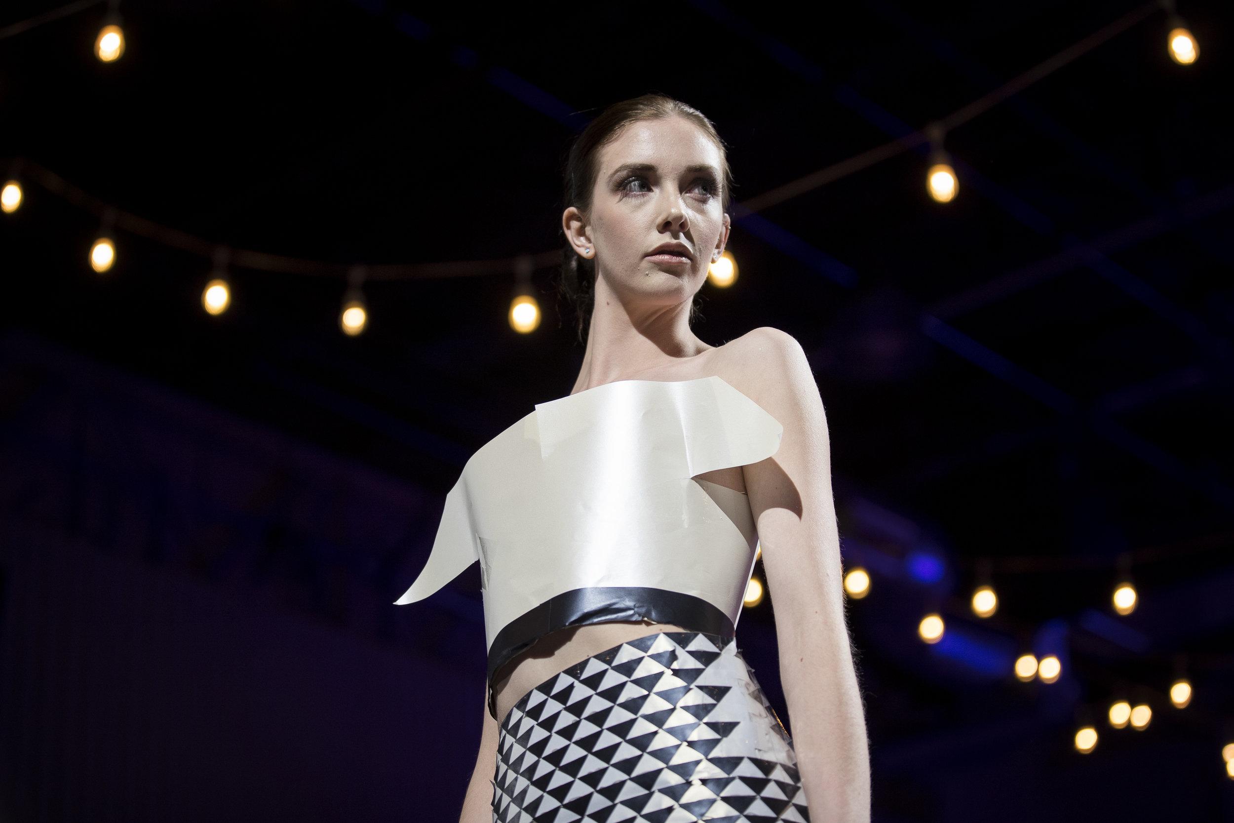Paper Fashion Show 2019 - 018.jpg