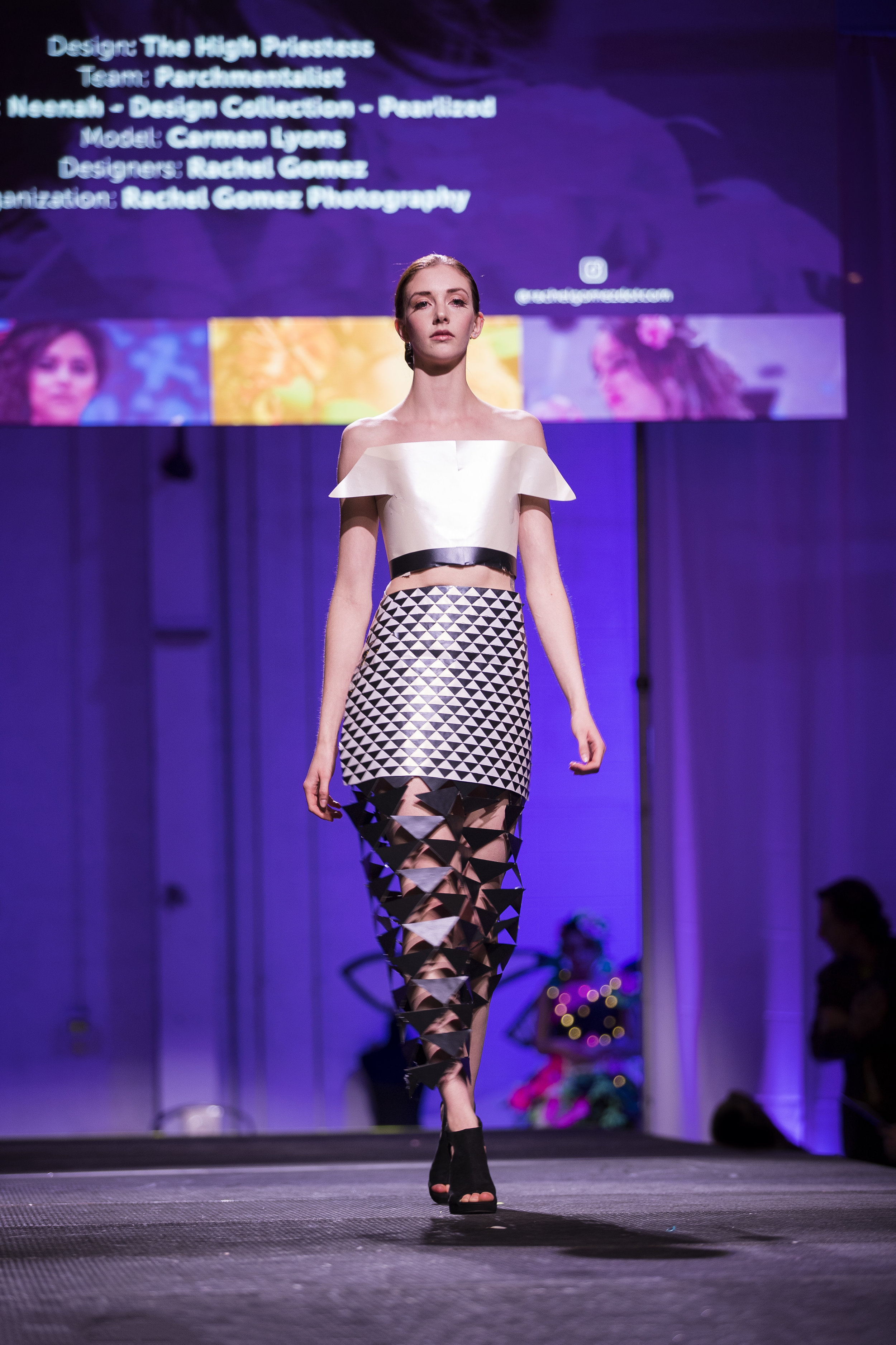 Paper Fashion Show 2019 - 017.jpg