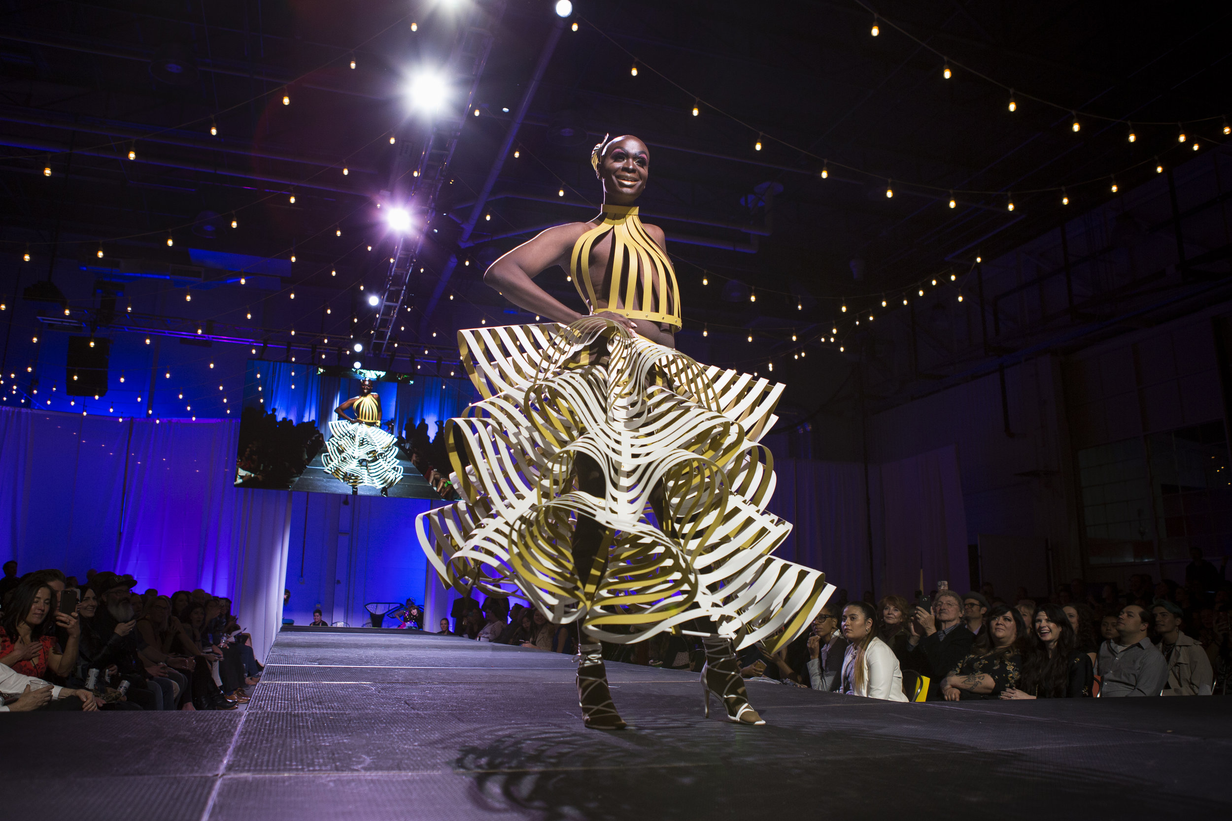 Paper Fashion Show 2019 - 025.jpg