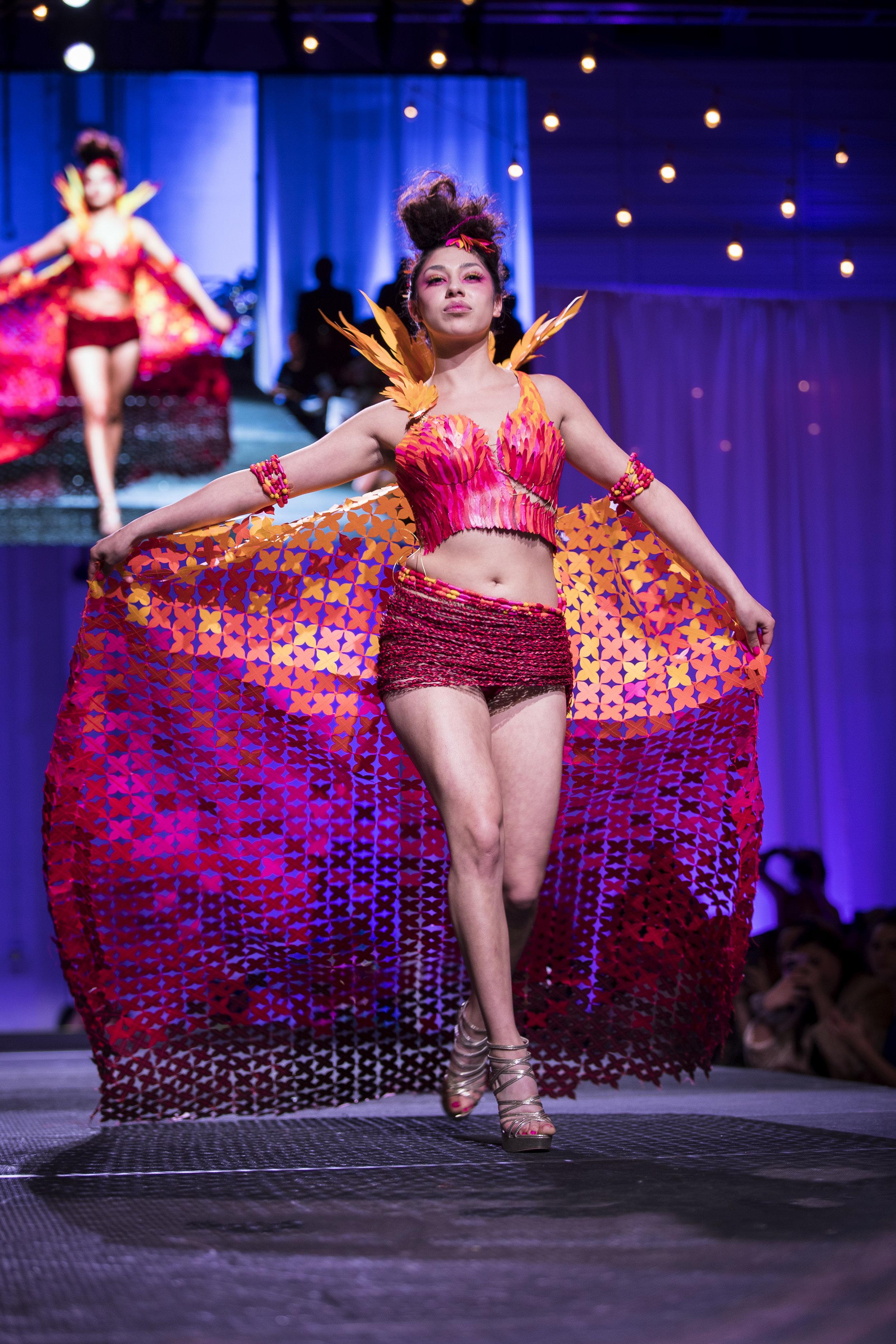 Paper Fashion Show 2019 - 027.jpg