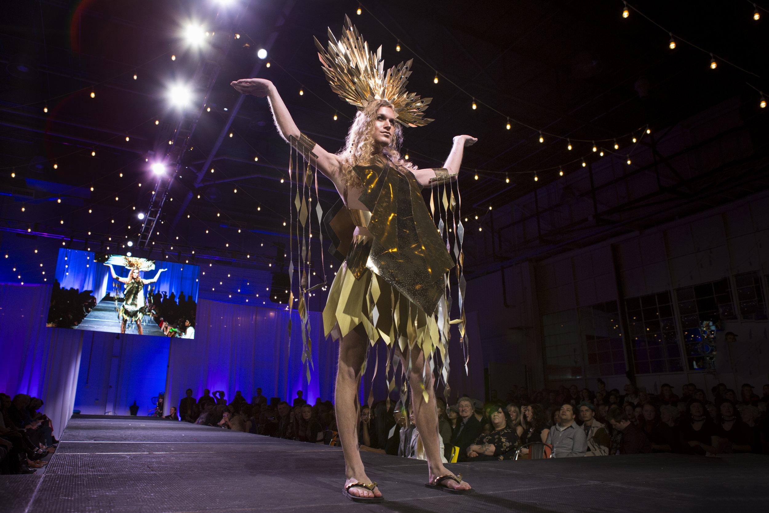 Paper Fashion Show 2019 - 032.jpg