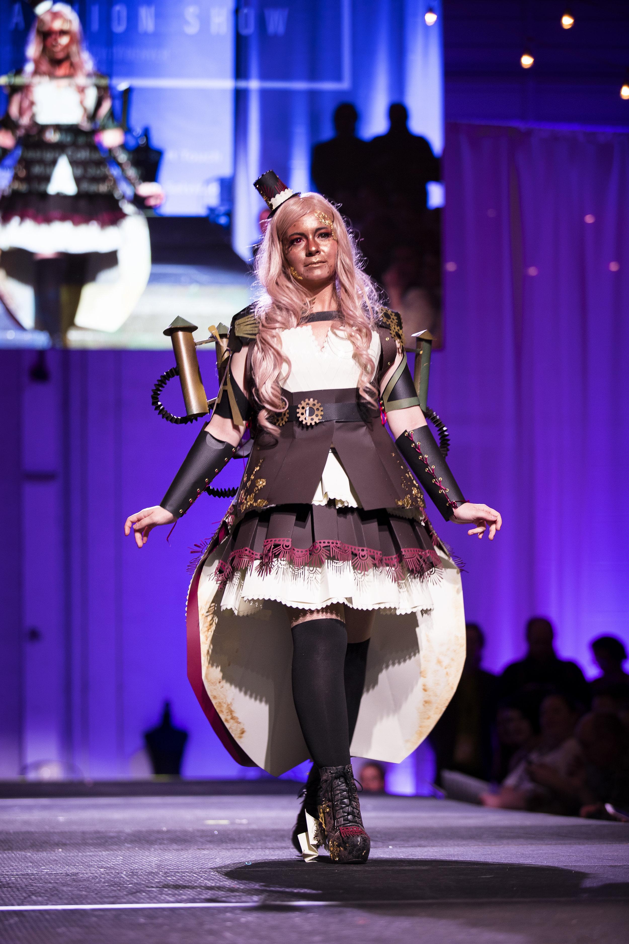 Paper Fashion Show 2019 - 036.jpg