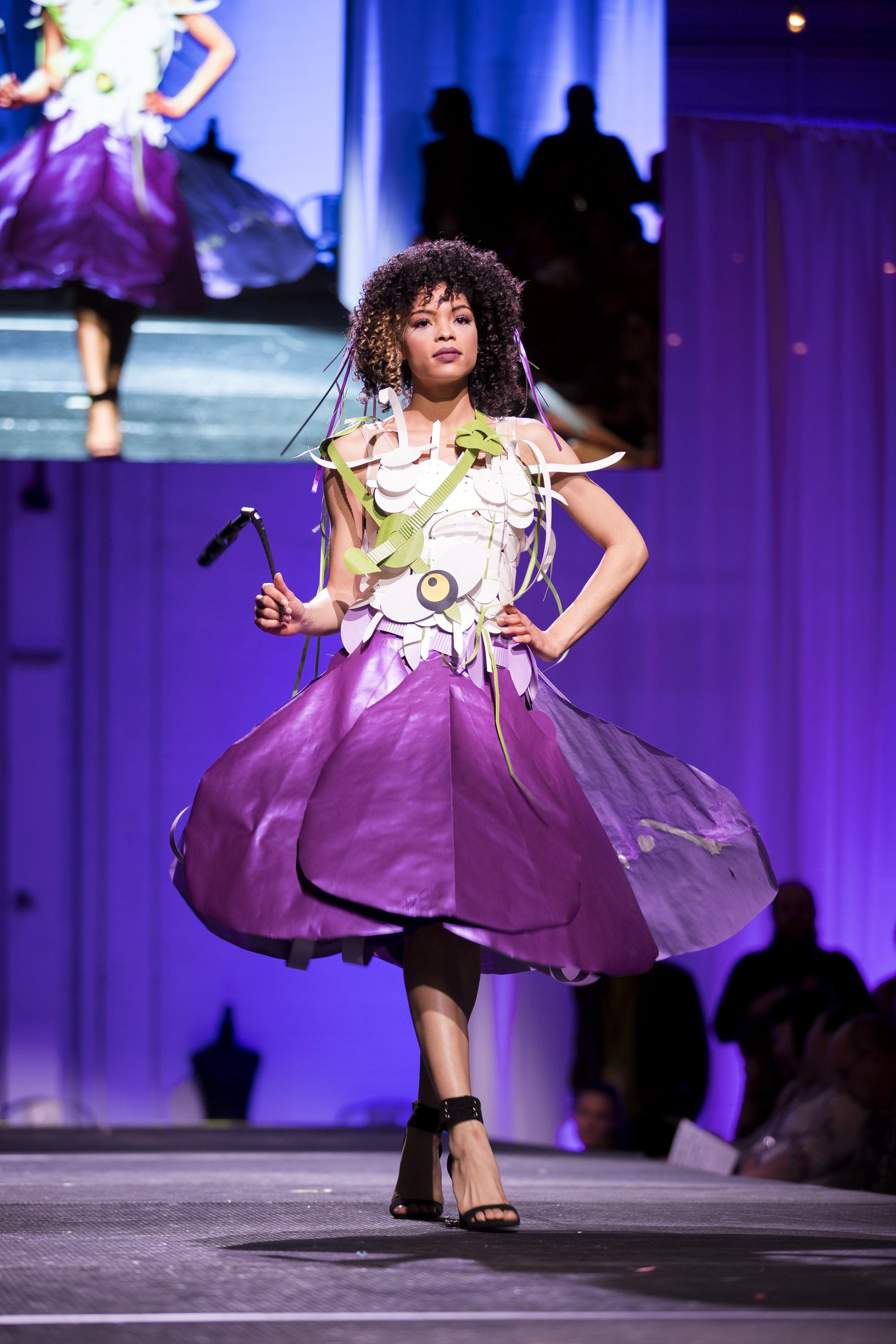 Paper Fashion Show 2019 - 041.jpg
