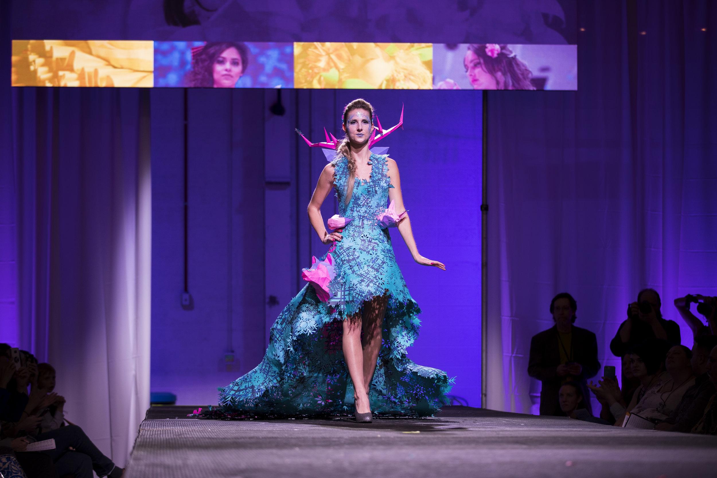 Paper Fashion Show 2019 - 043.jpg