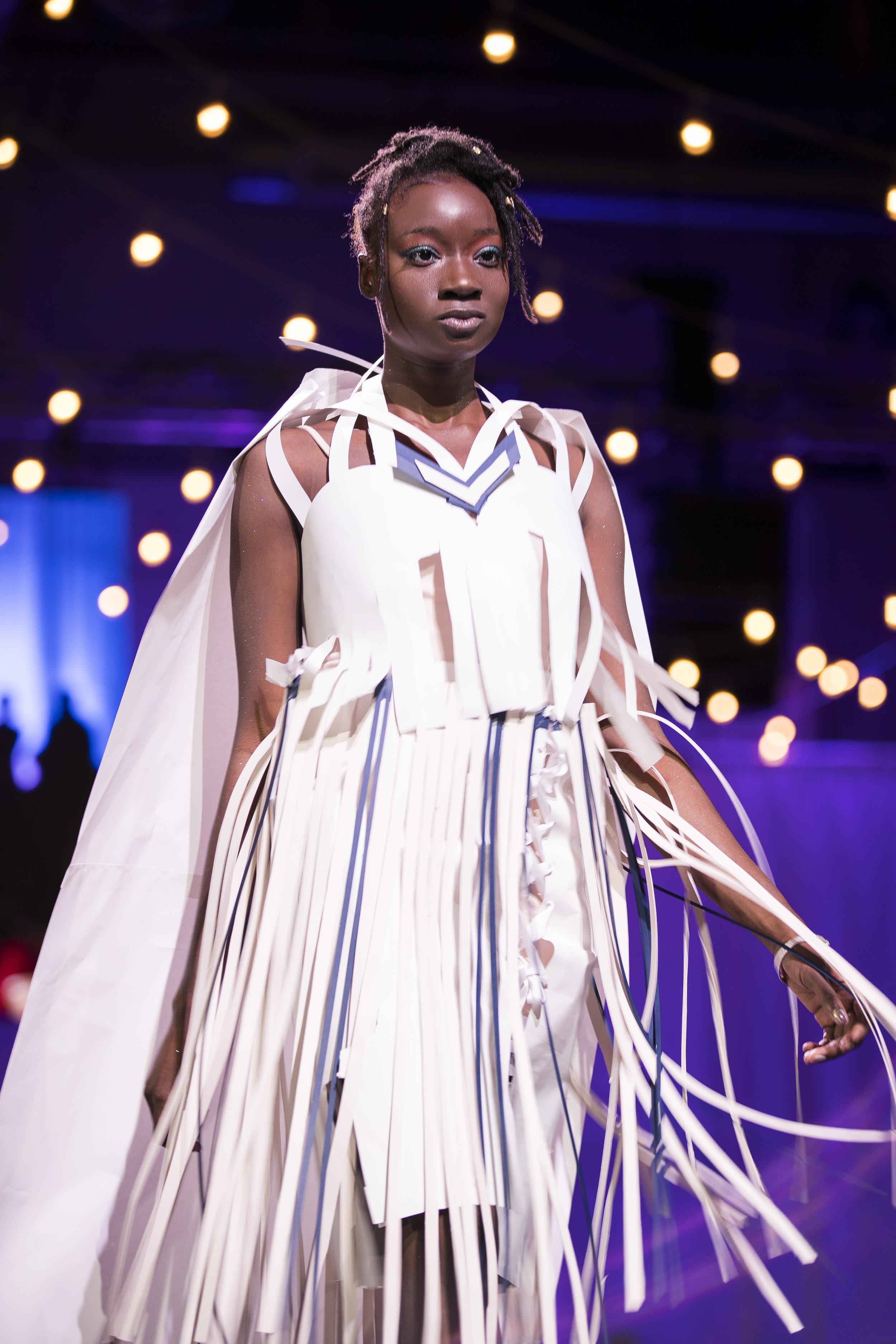 Paper Fashion Show 2019 - 048.jpg