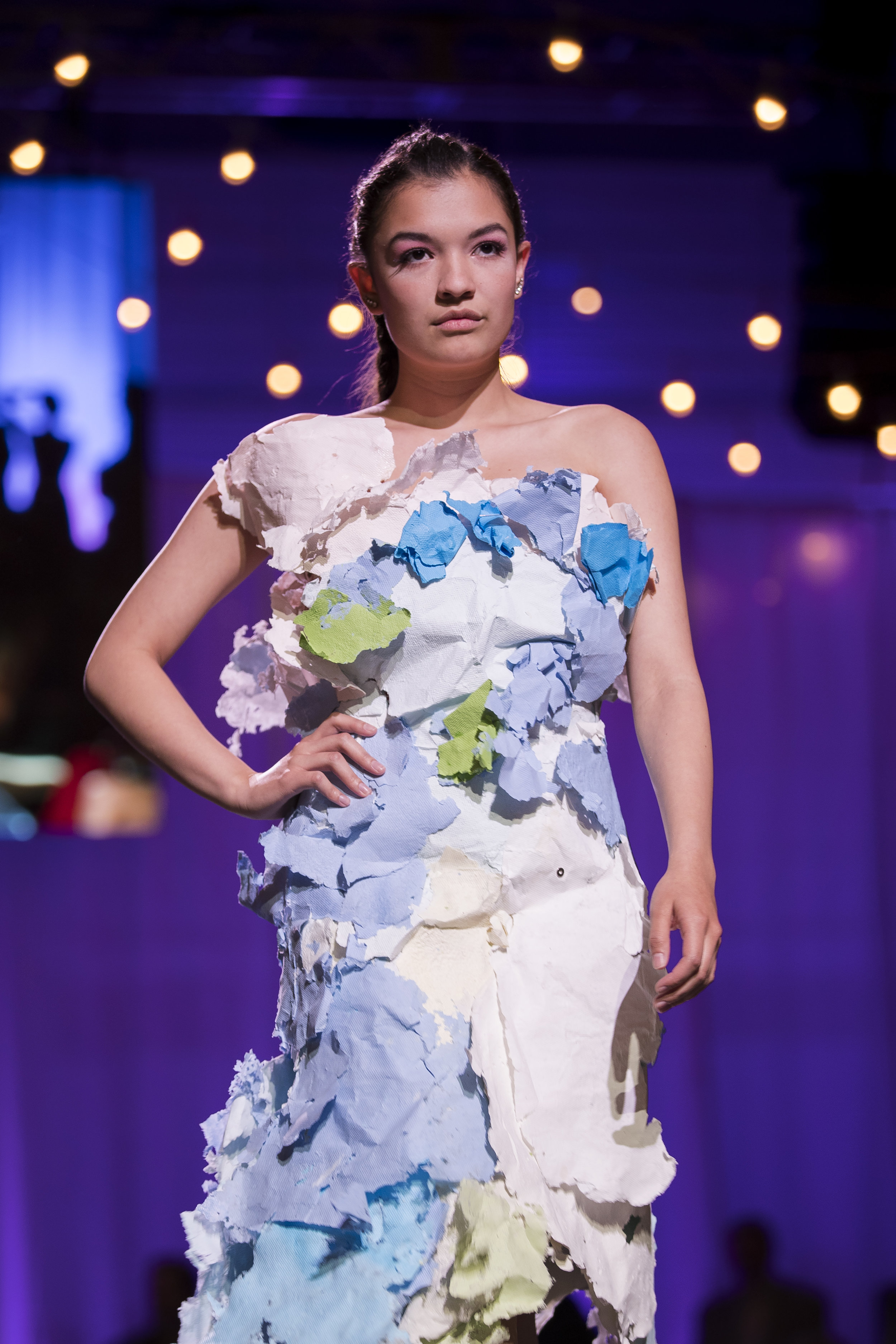 Paper Fashion Show 2019 - 063.jpg