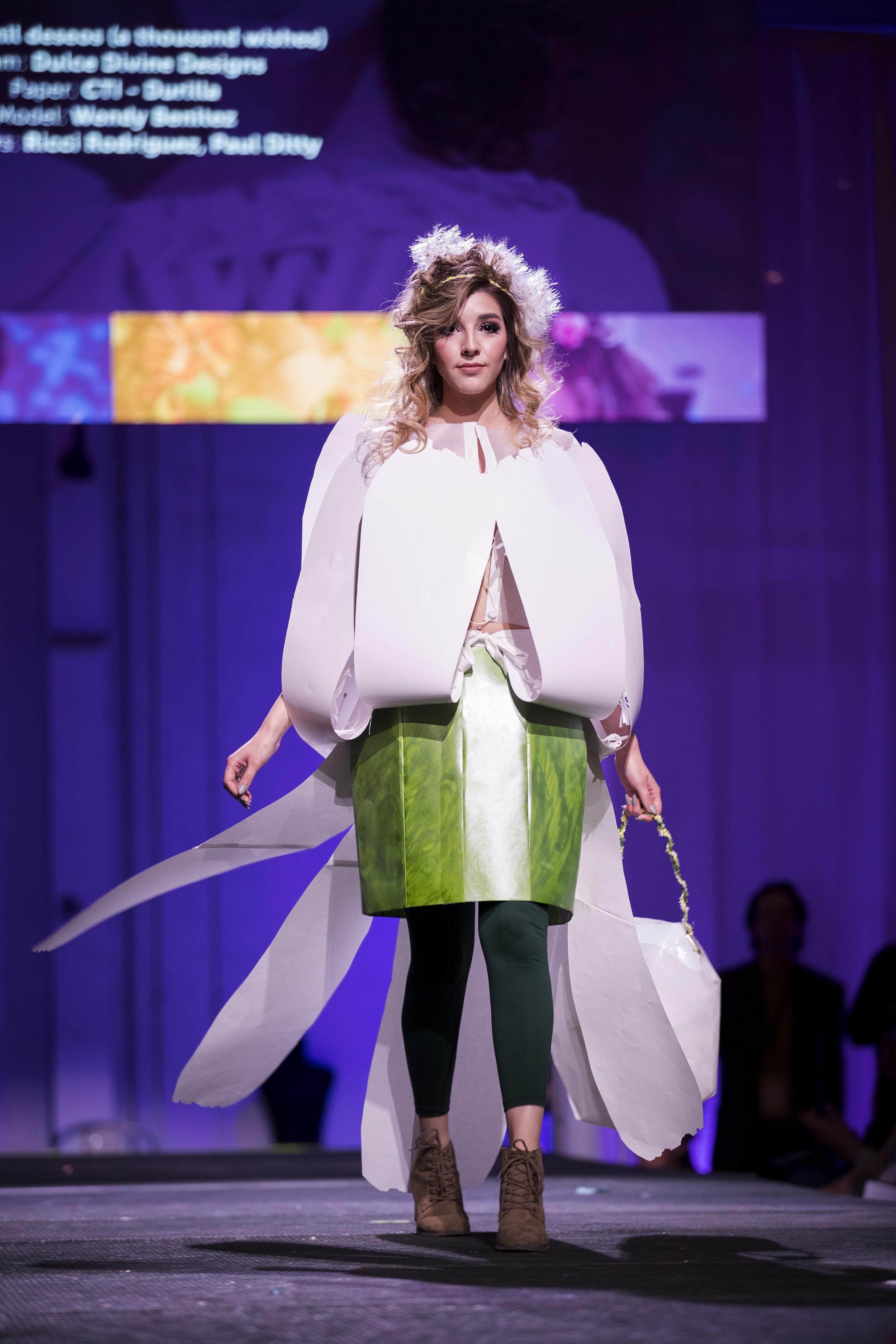 Paper Fashion Show 2019 - 068.jpg