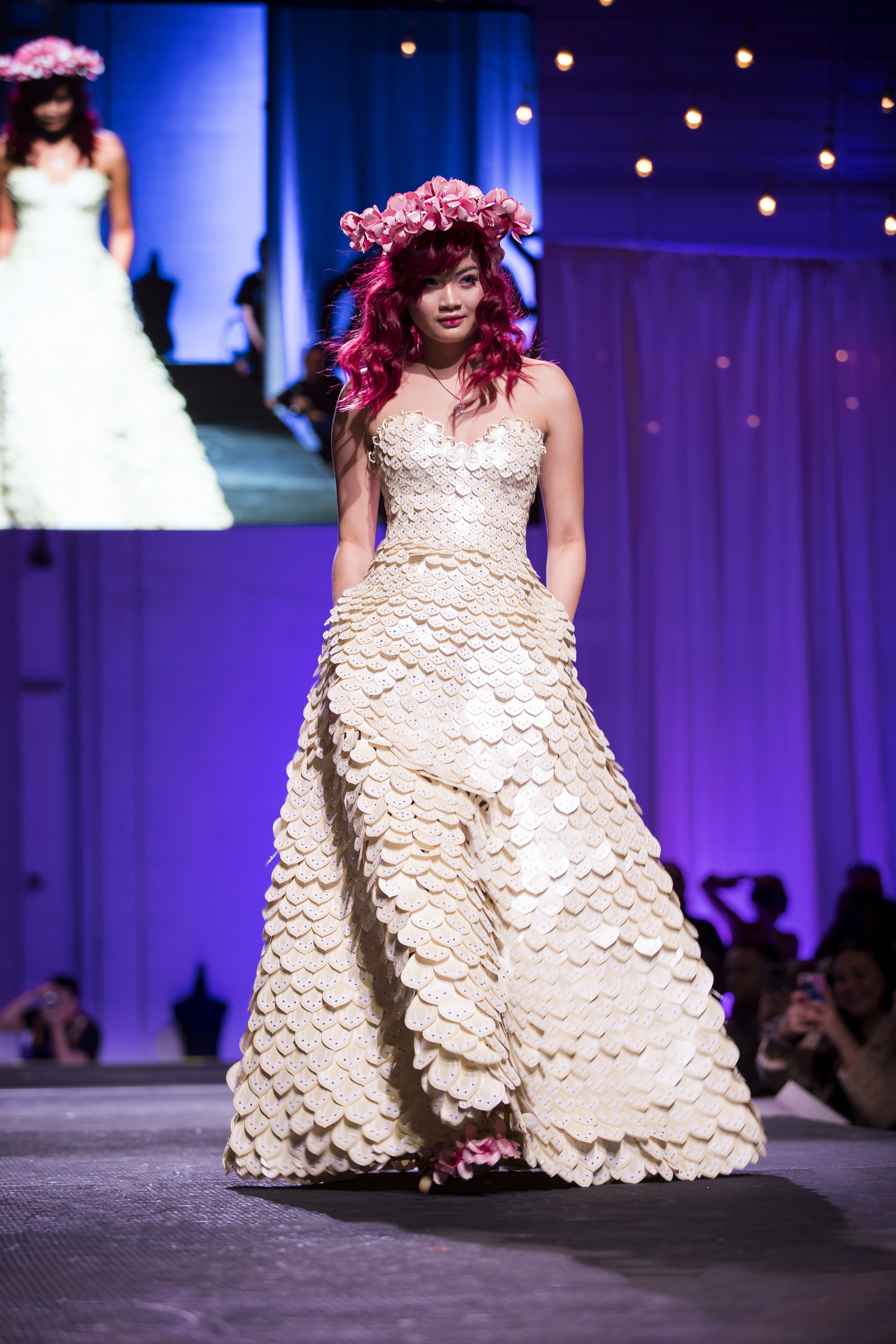 Paper Fashion Show 2019 - 071.jpg