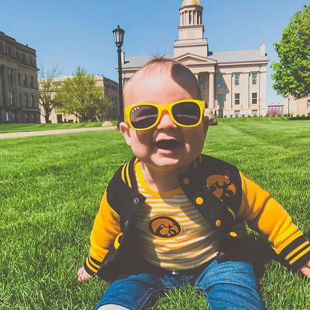 According to @huenekenick Nile would like to announce his commitment to the University of Iowa! @theiowahawkeyes Class of 2041! 😆  #futurehawkeye #iowa #gohawks #almamater #blackandgold 🖤💛 #baby #babyboy #lifeofNi