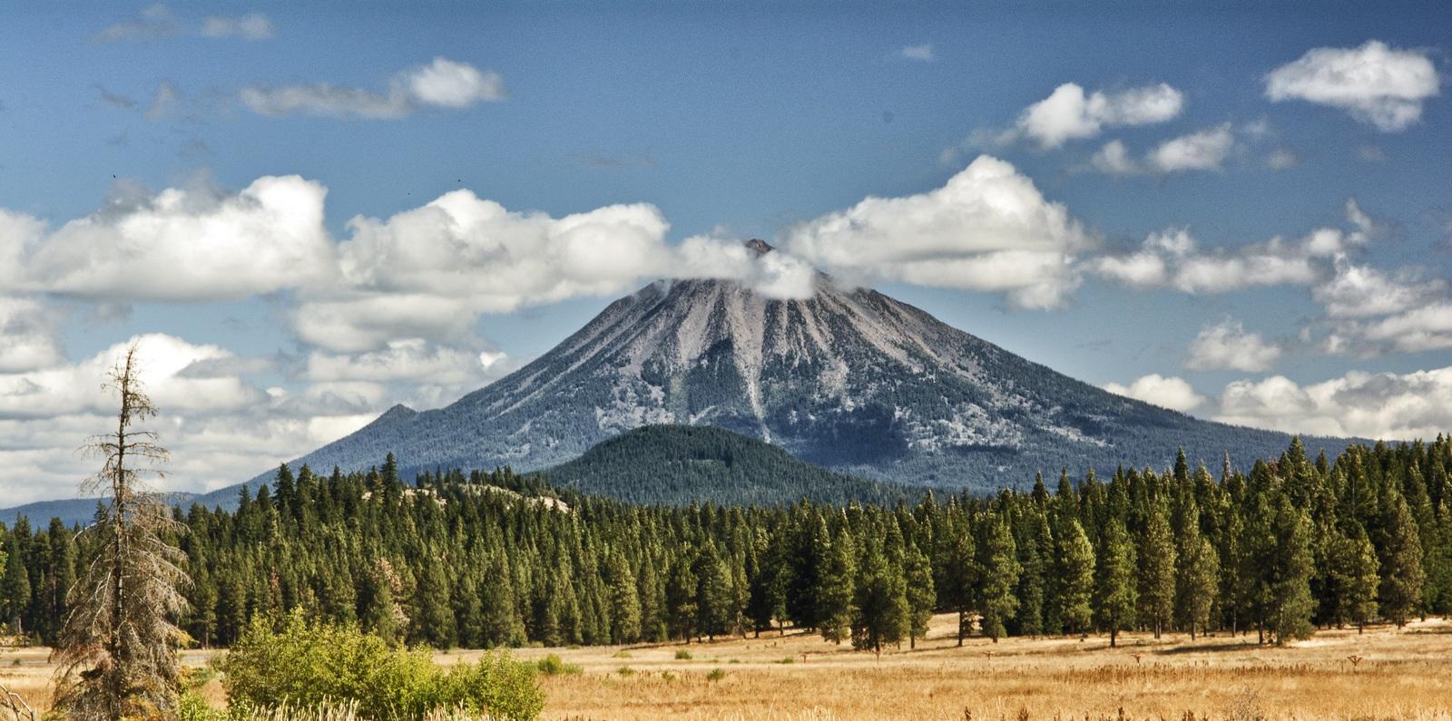 Mt-McLaughlin-meadow-travel-southern-oregon-matt-witt