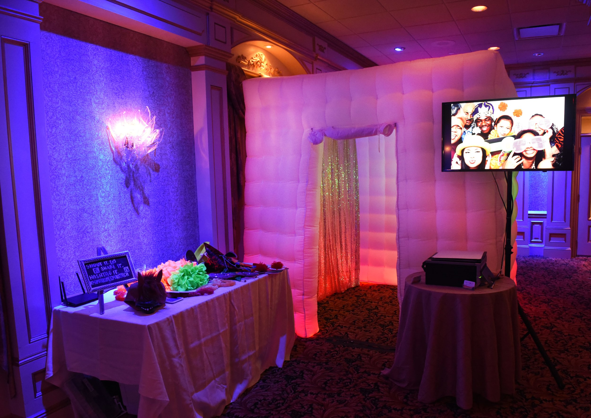 Enclosed Photo Booth Rental New Jersey 2.jpg
