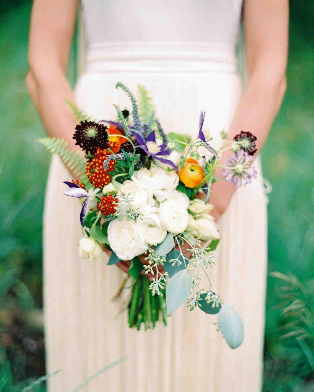 whitney-matt-wedding-bouquet-089-s111817-0215_vert.jpg