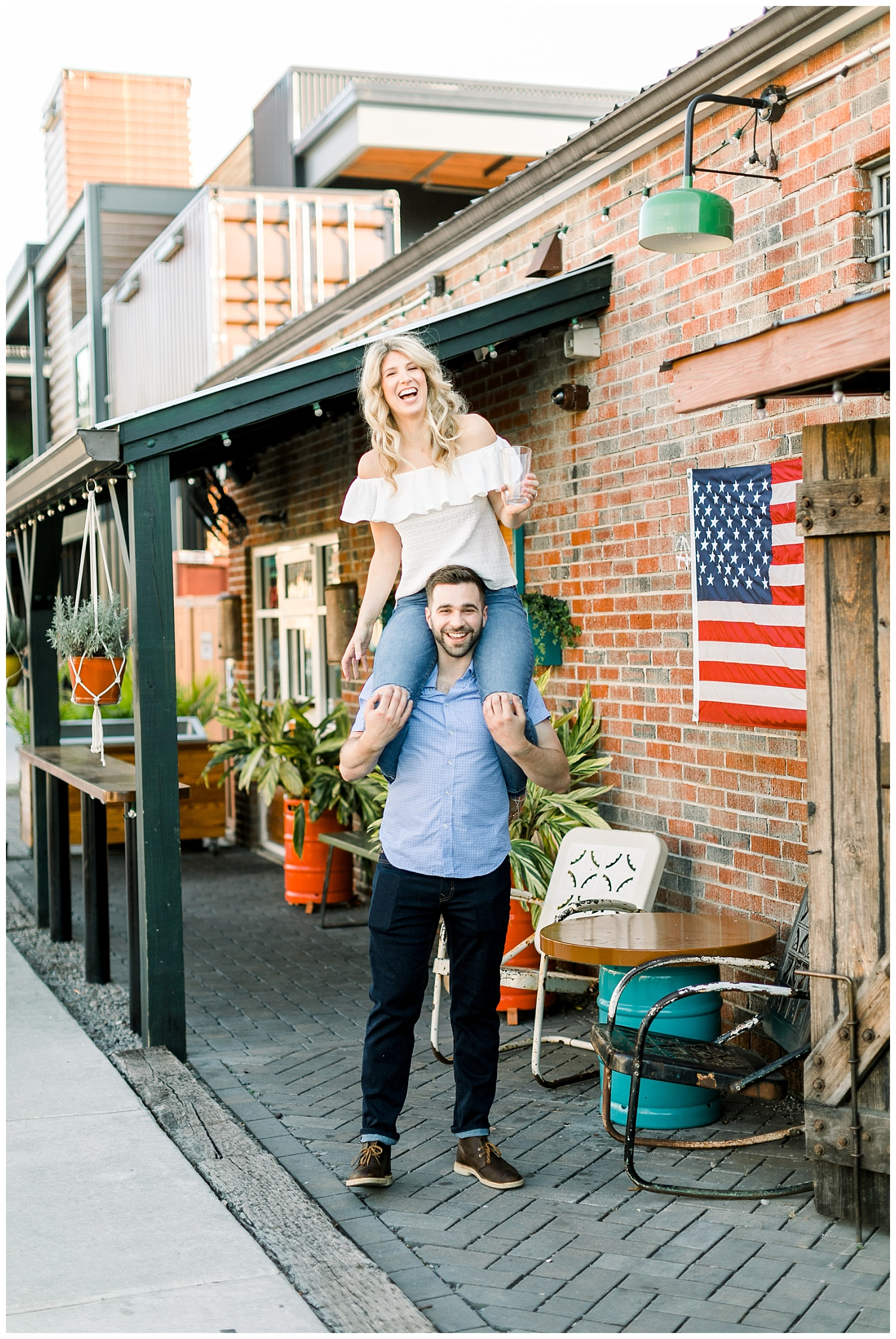 Downtown Wilmington NC Engagement_Erin L. Taylor Photography_0033.jpg