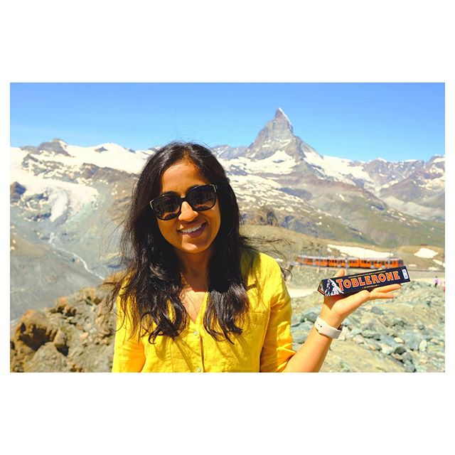 @meeraodugoudar with the toblerone and the iconic toblerone mountain in the background also otherwise known as Kleinne Matterhorn. From the beautiful careless town on Zermatt you hop on gornergrat rail ( the train in background) which makes its away to the top and get you to an elevation of 10000ft to present you with these gorgeous views  #throwback #switzerland #travel #chocolates #toblerone # zermatt #matterhorn #mountains #nature #landscape #potrait