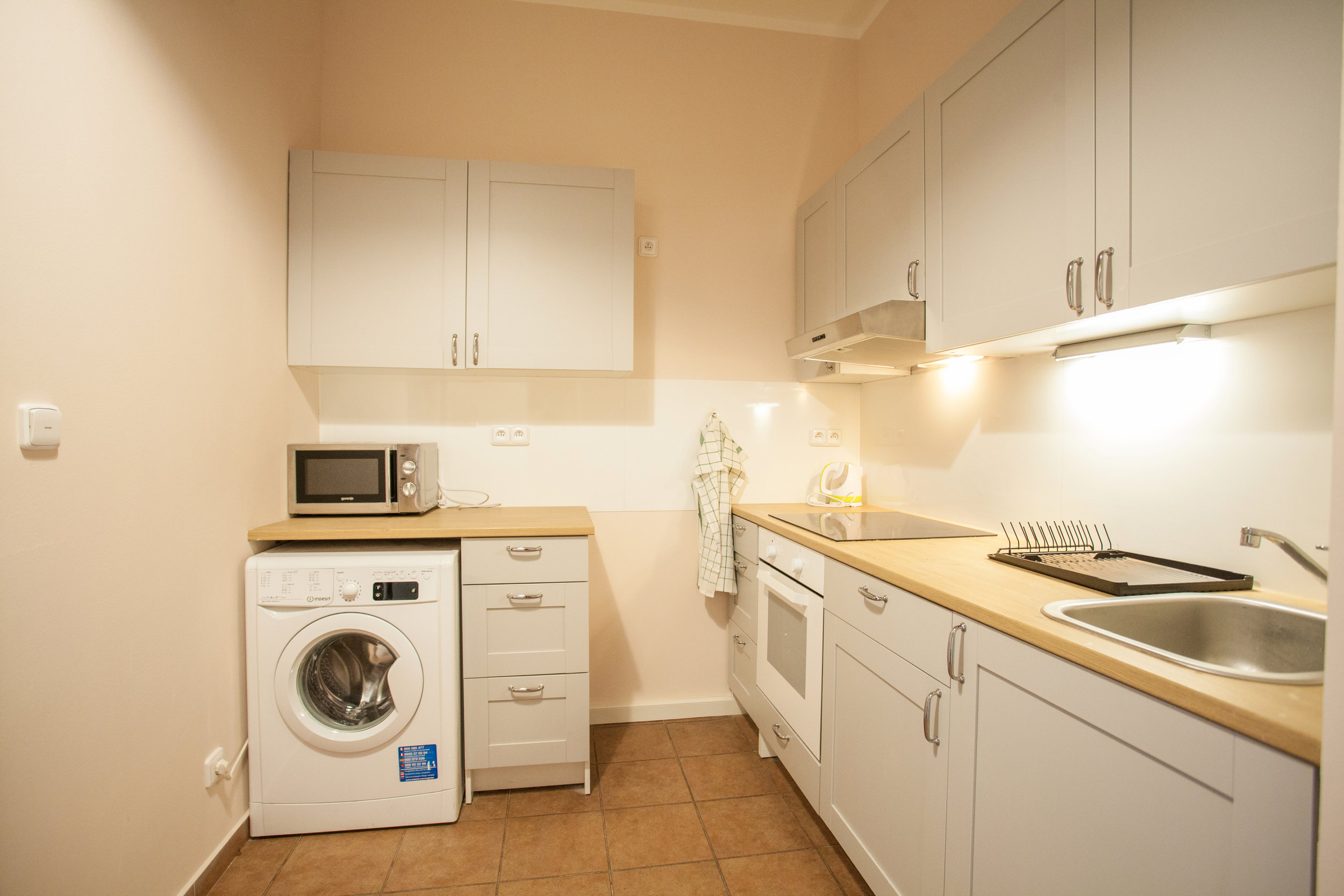 flat sharing kitchen Osadni 25.jpg